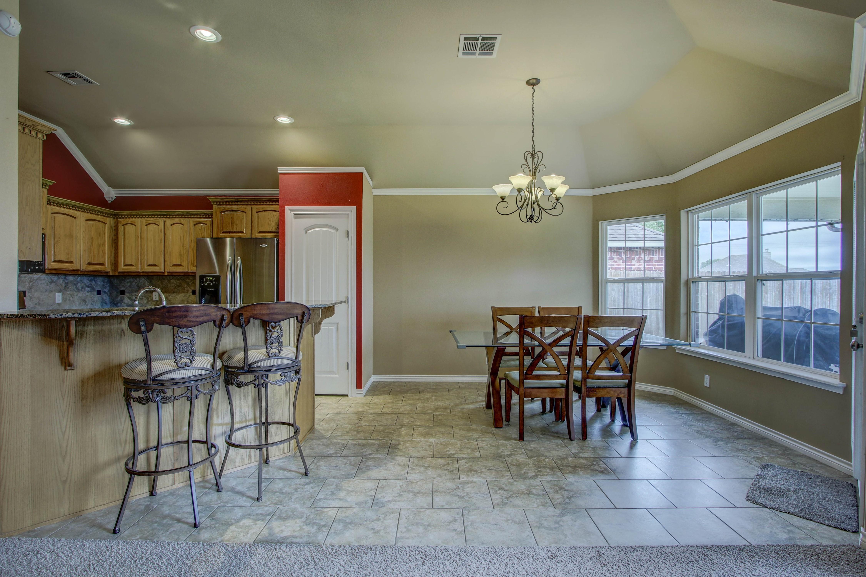 14516 S Poplar Street Property Photo 9