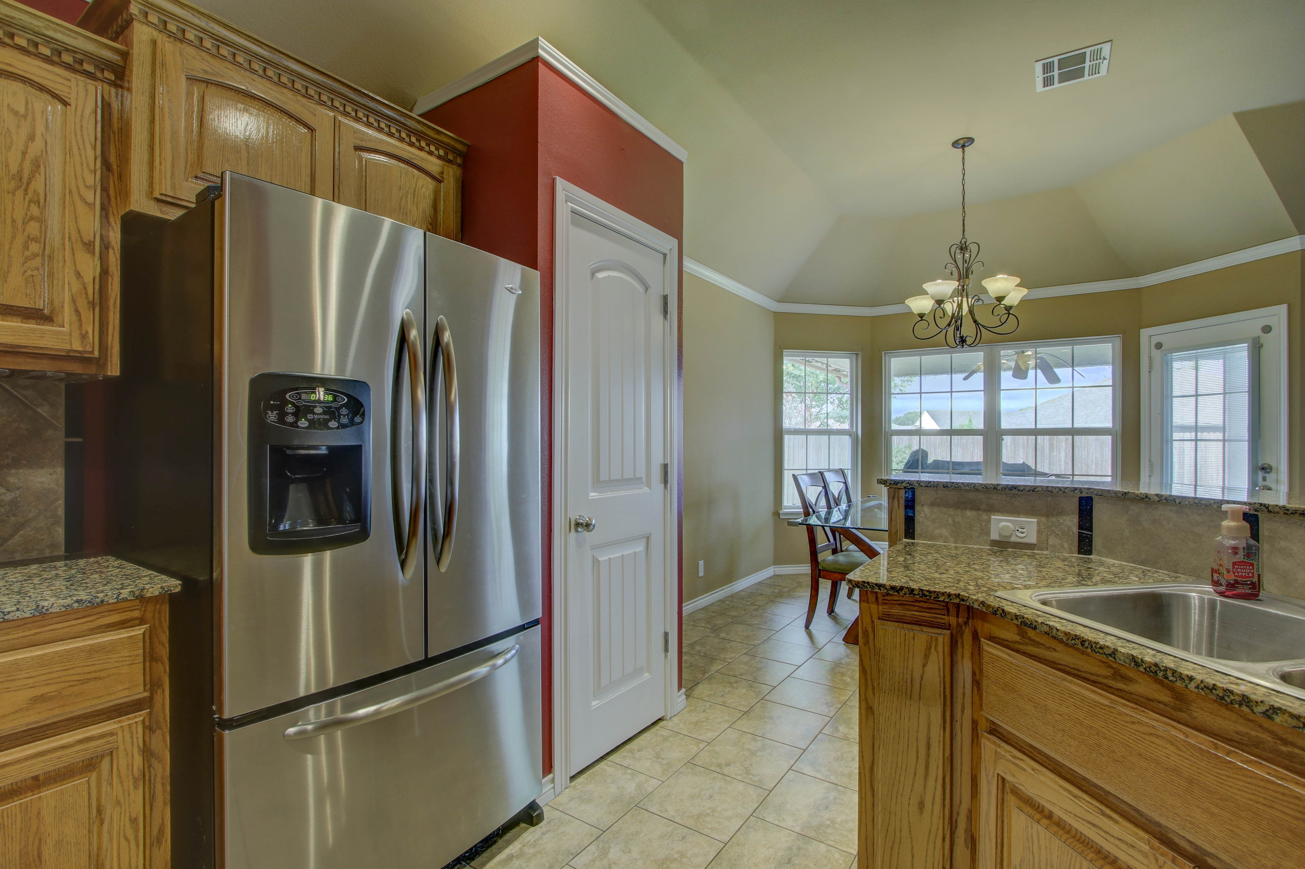 14516 S Poplar Street Property Photo 14