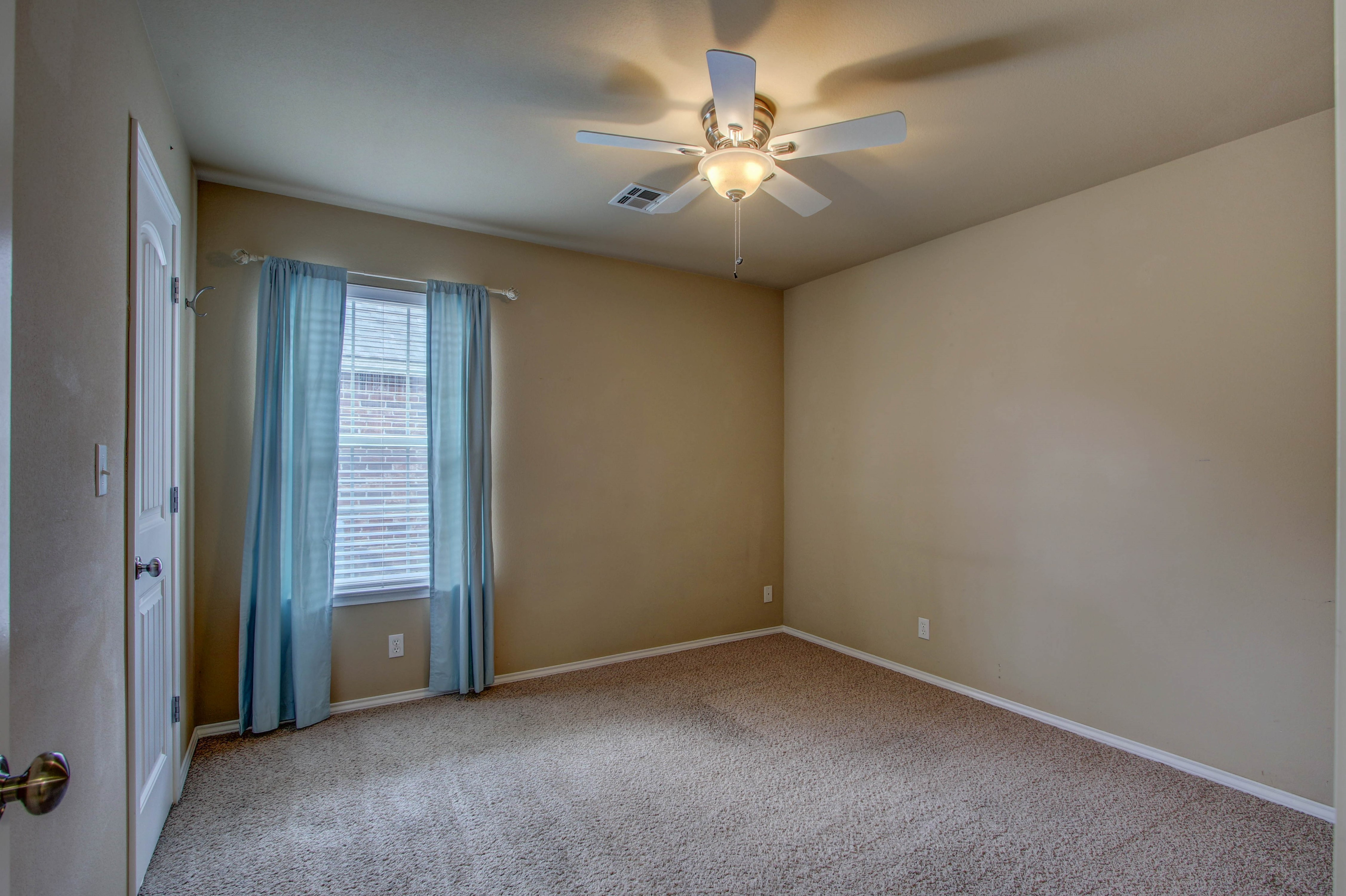 14516 S Poplar Street Property Photo 22