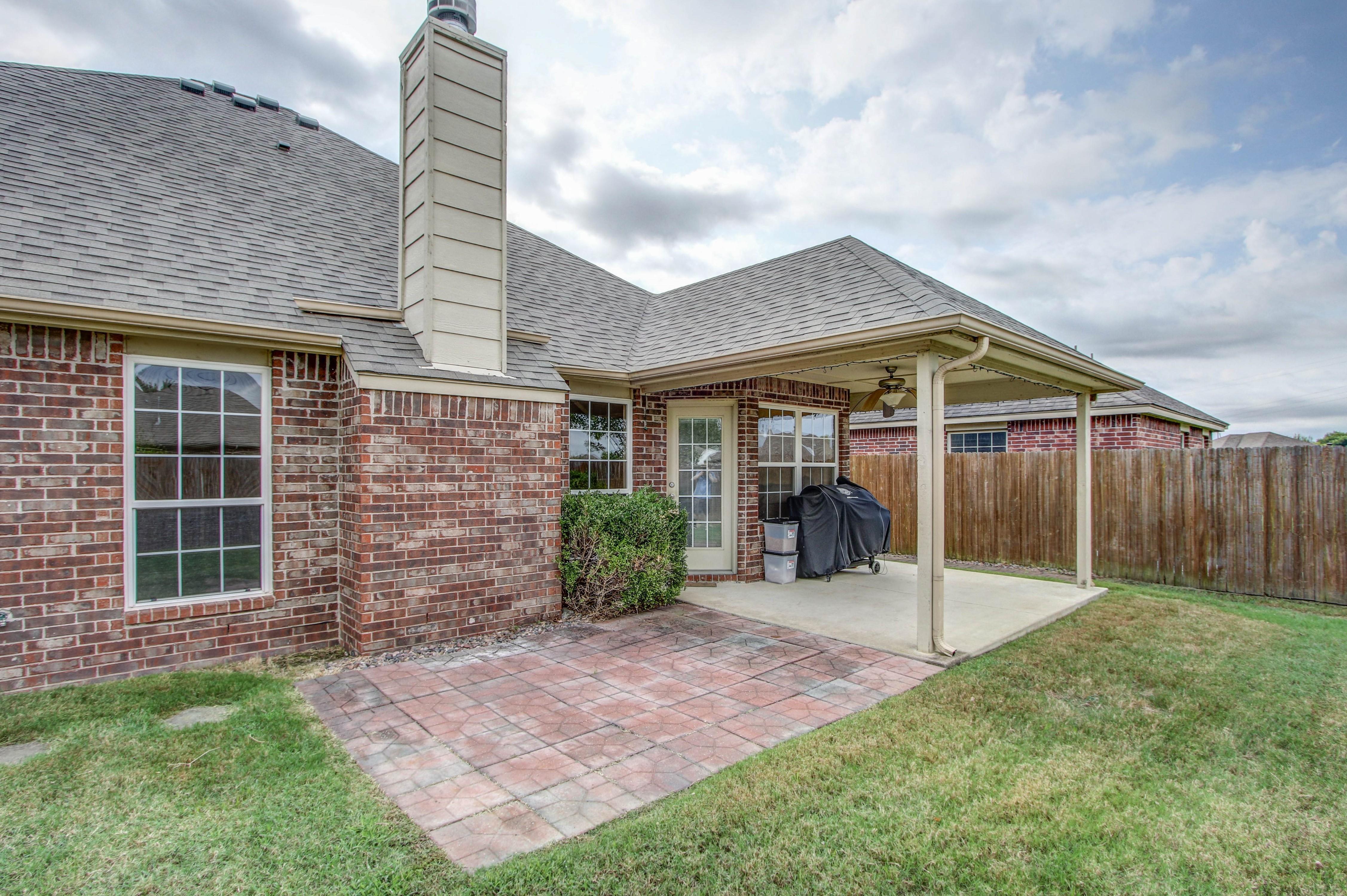 14516 S Poplar Street Property Photo 24