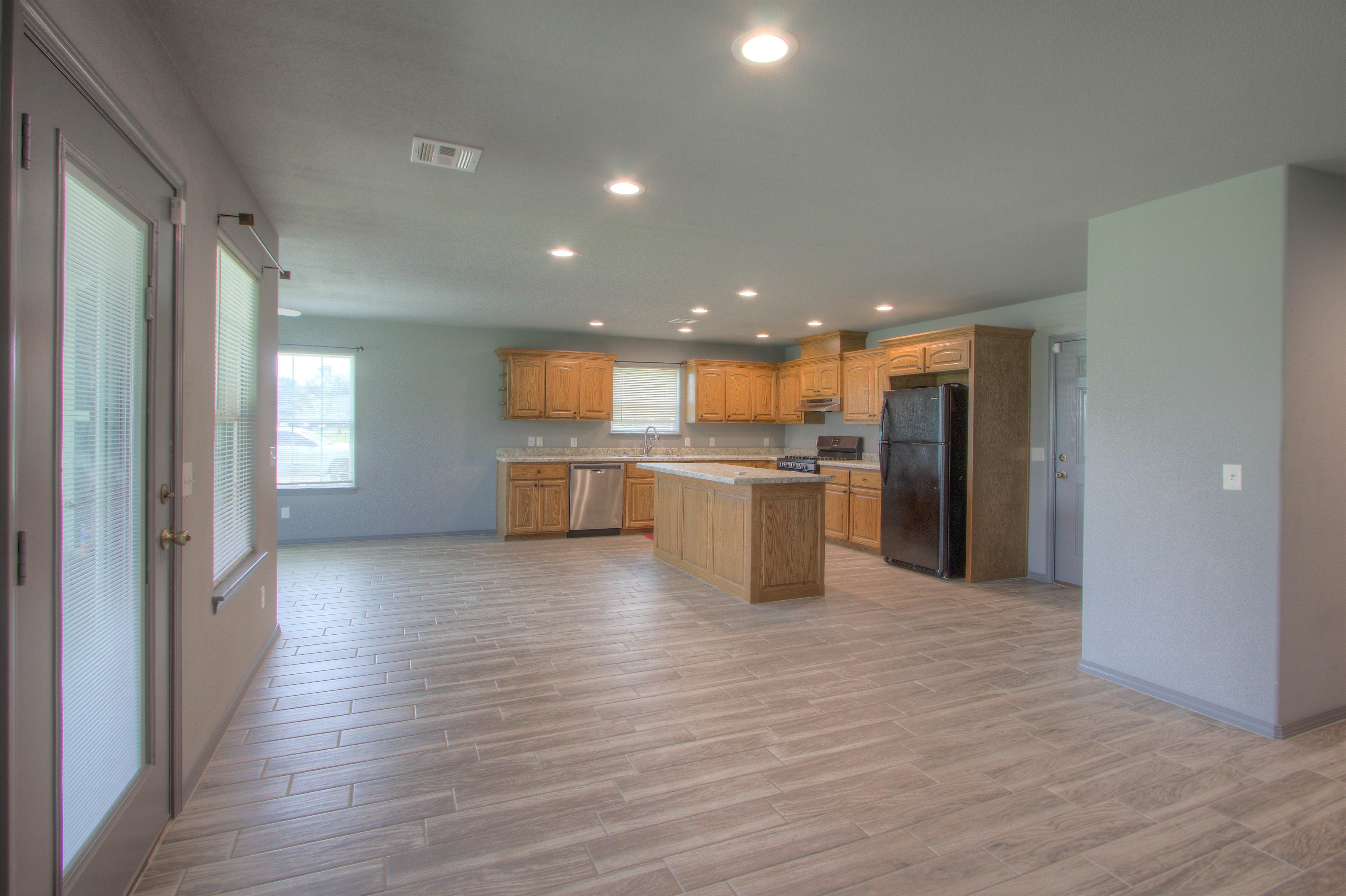 621 W Ash Street Property Photo 7