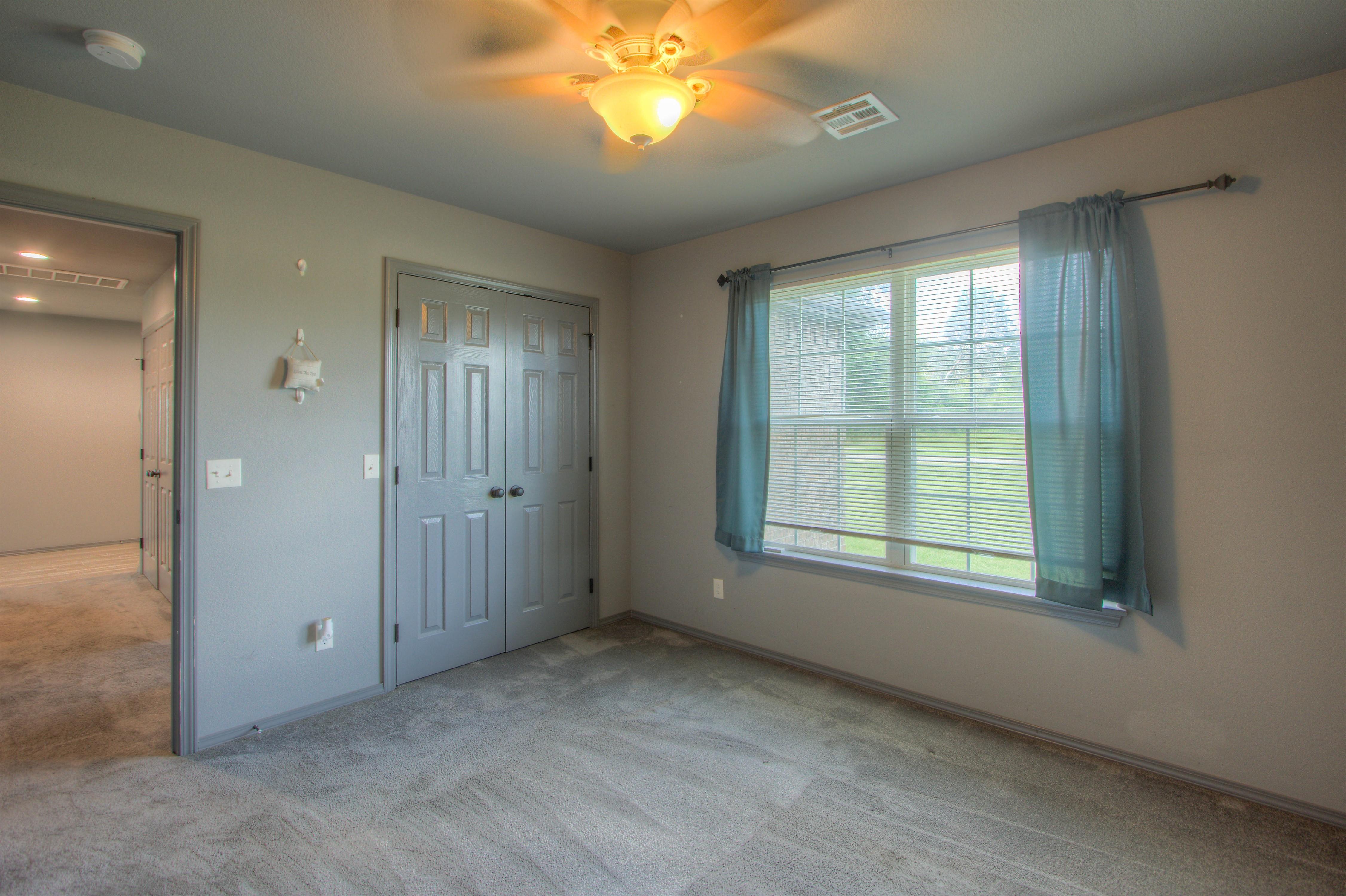 621 W Ash Street Property Photo 16
