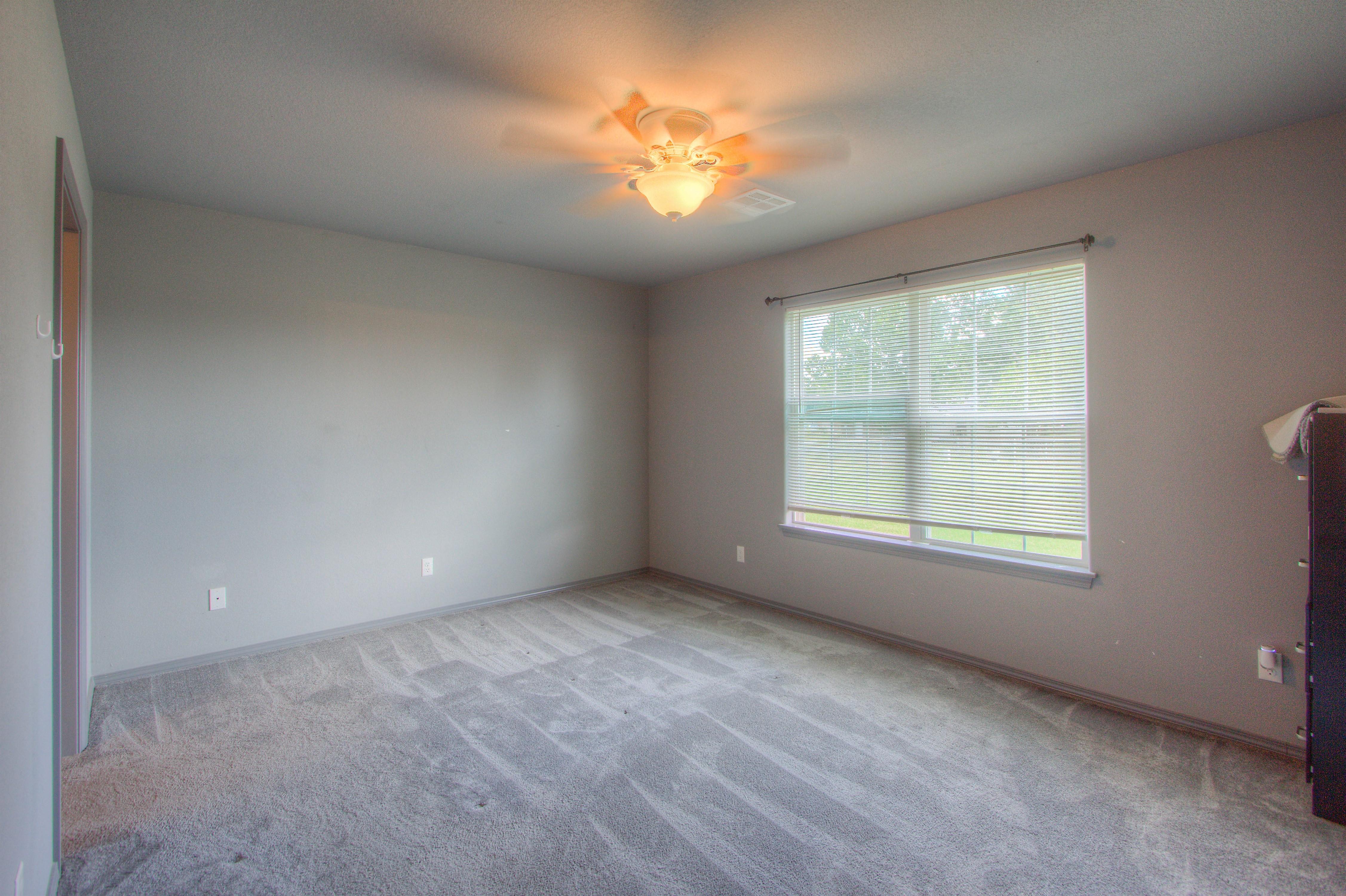 621 W Ash Street Property Photo 17