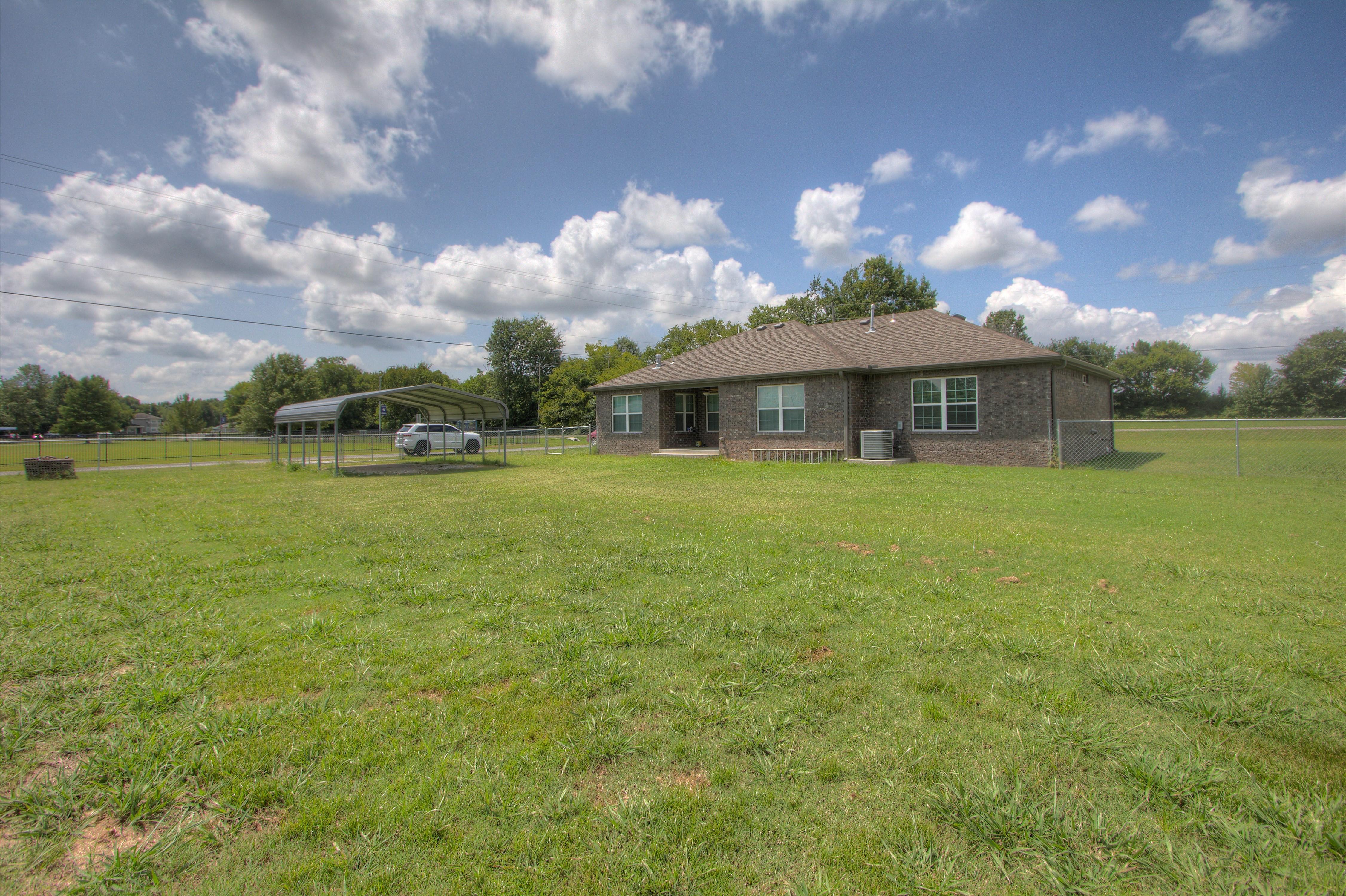 621 W Ash Street Property Photo 24