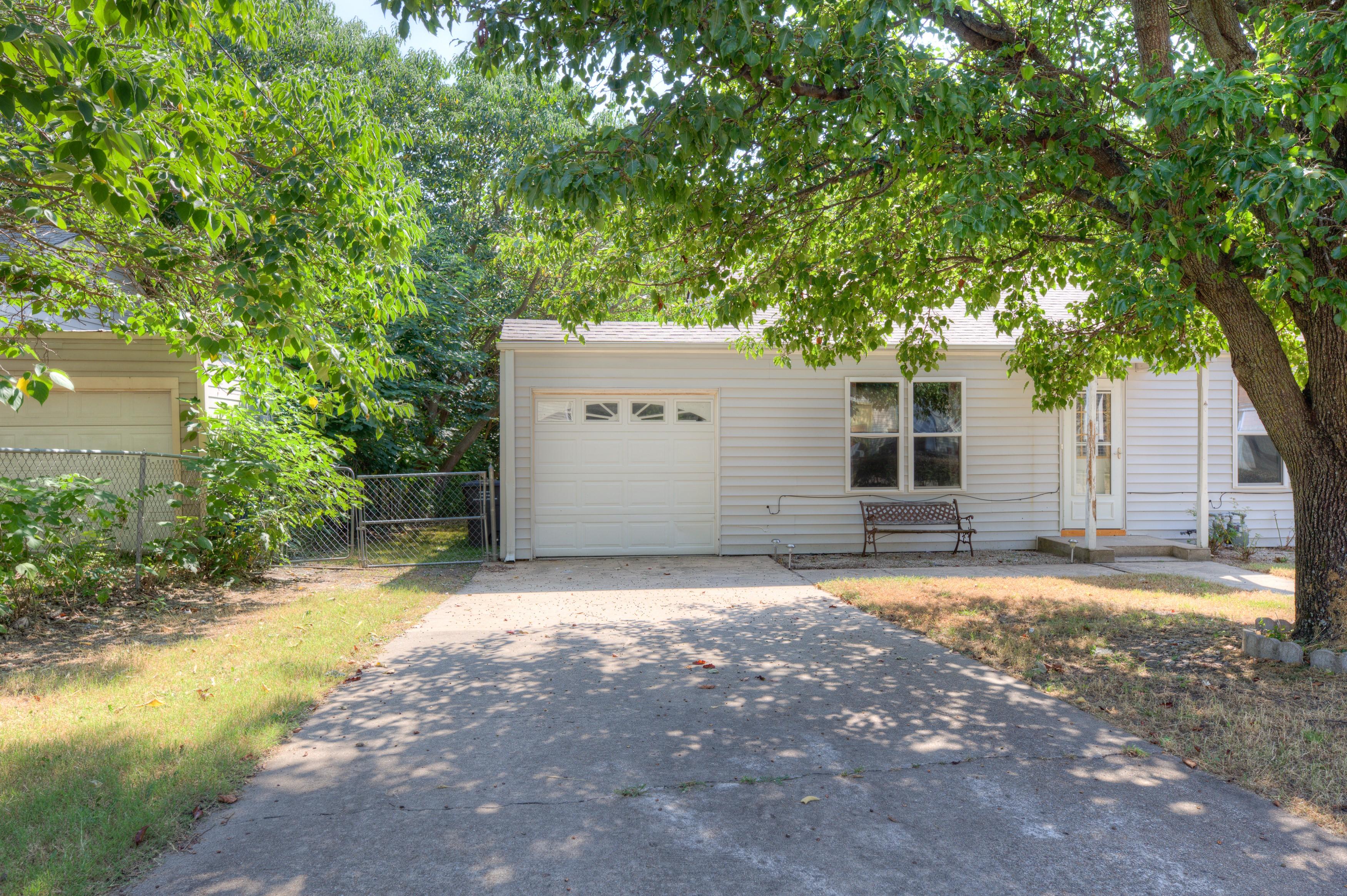 216 Se Waverly Avenue Property Photo 22