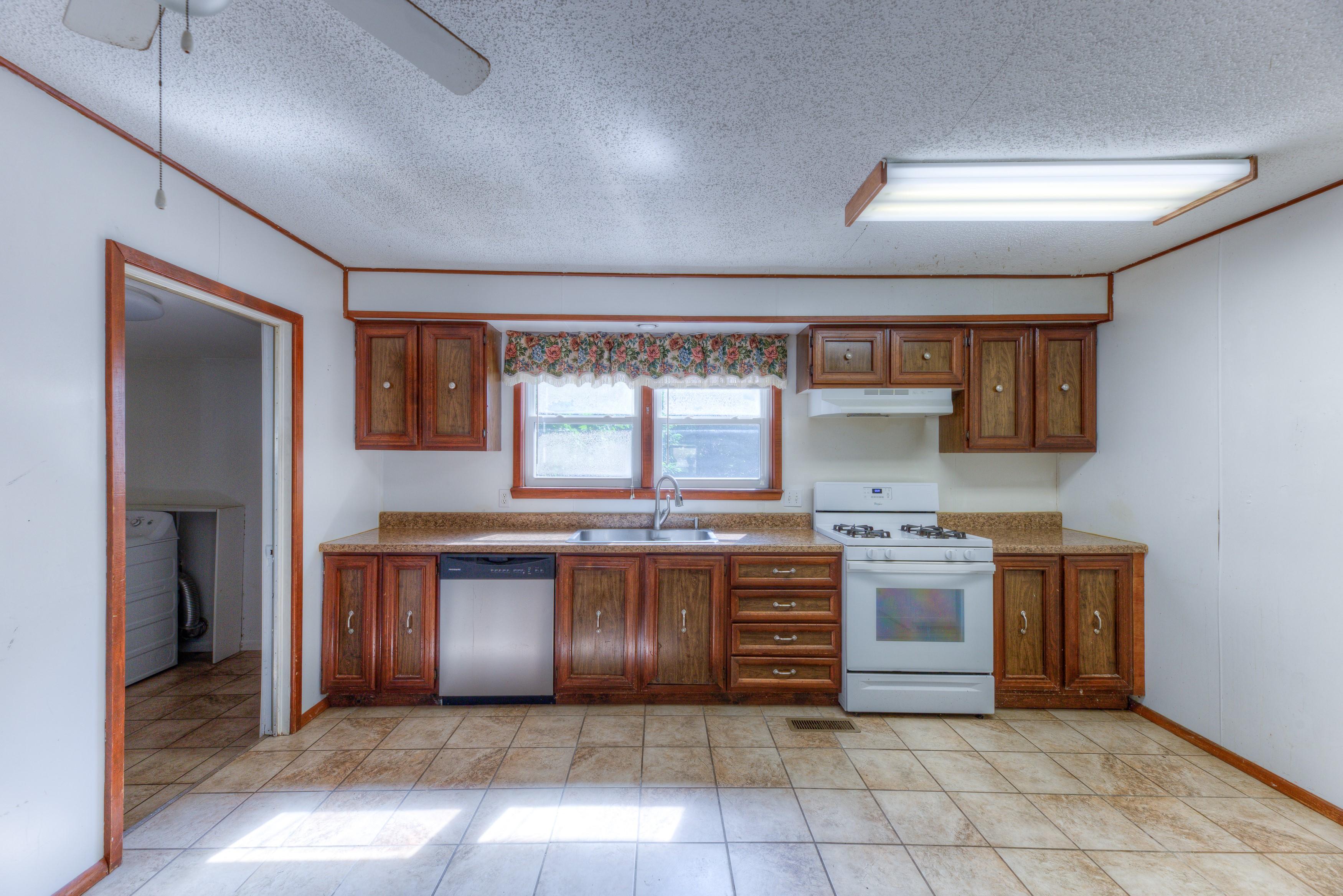 216 Se Waverly Avenue Property Photo 7