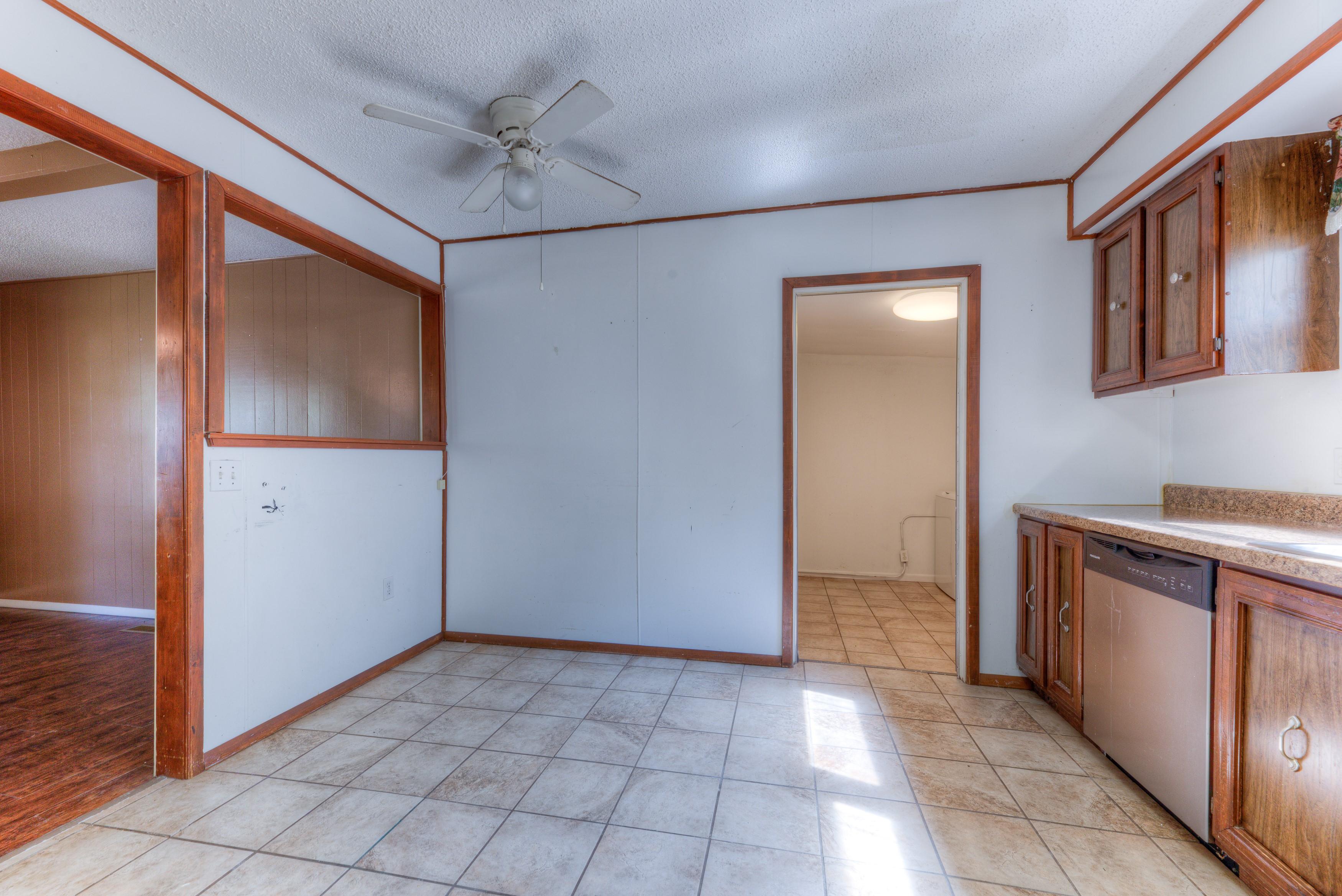 216 Se Waverly Avenue Property Photo 9