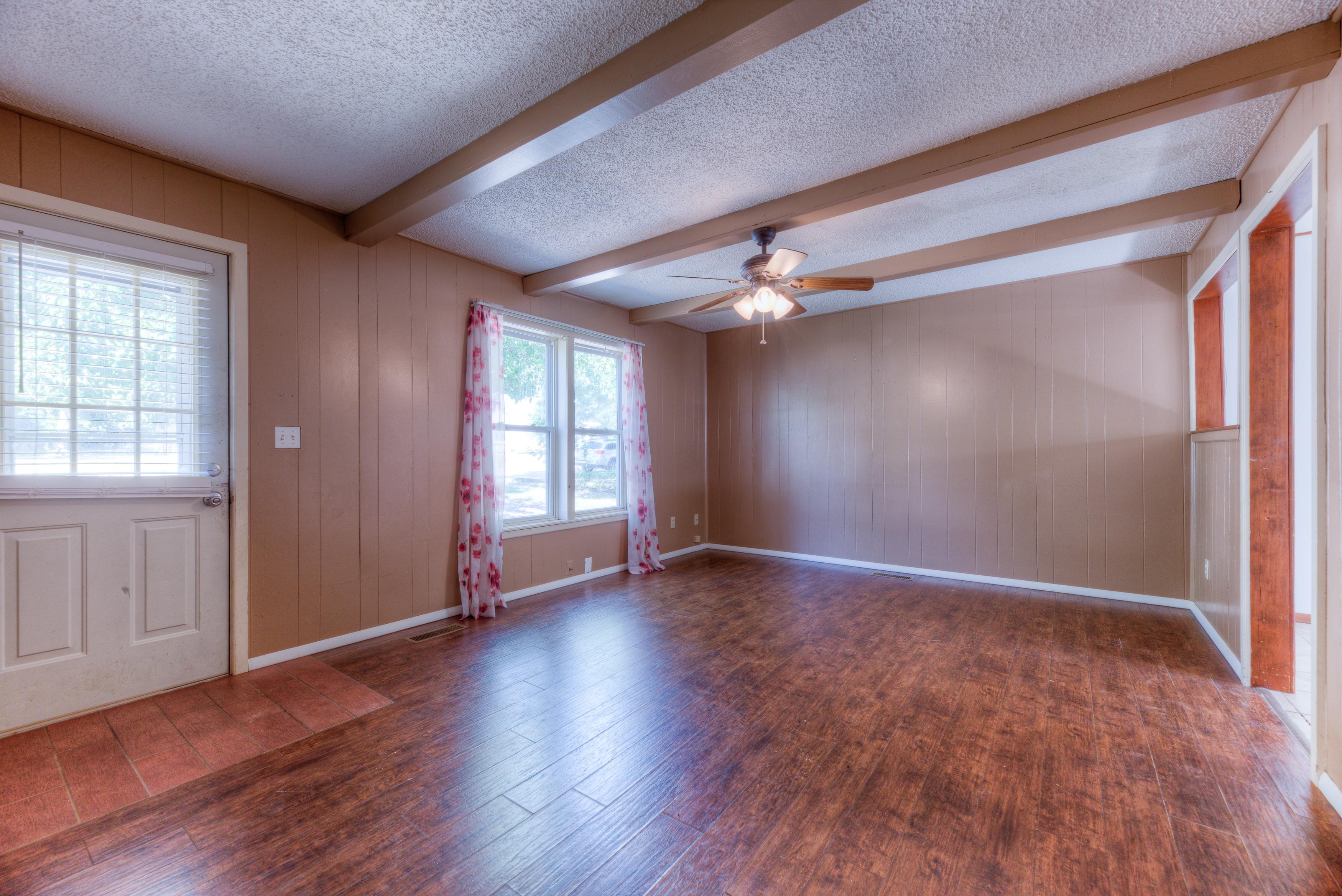 216 Se Waverly Avenue Property Photo 3