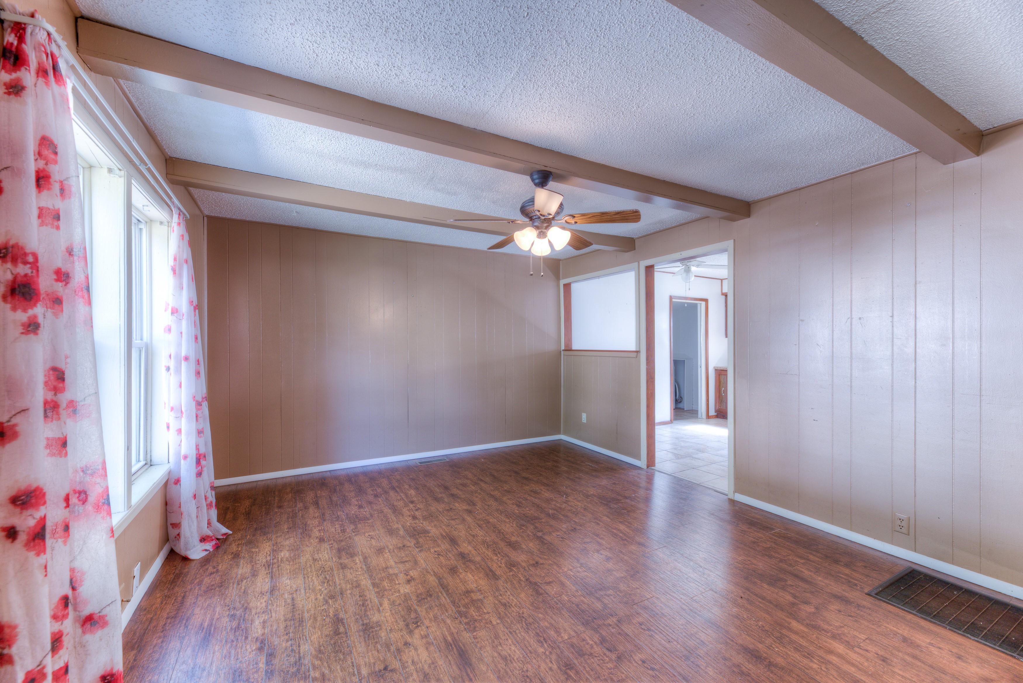 216 Se Waverly Avenue Property Photo 4
