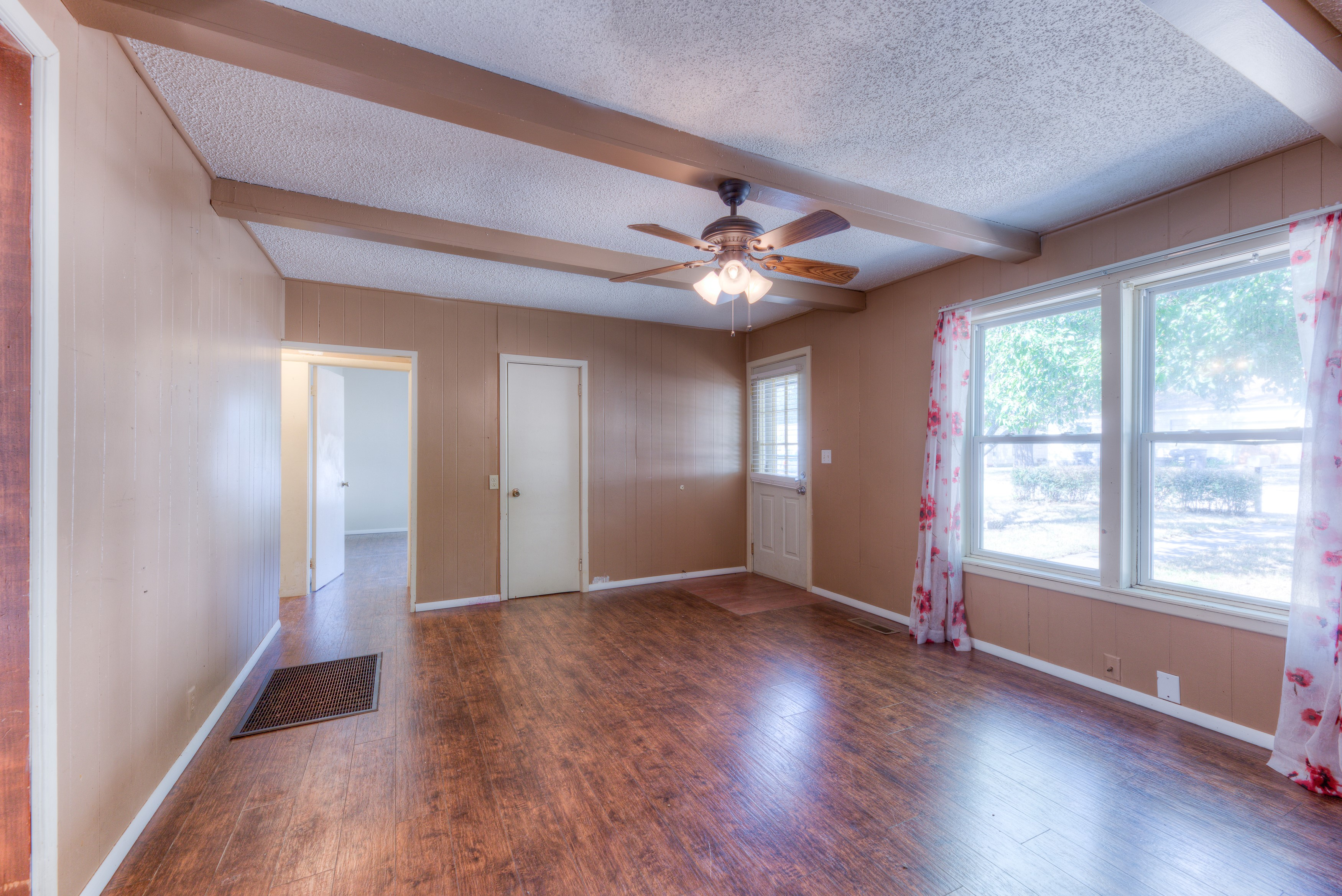 216 Se Waverly Avenue Property Photo 5