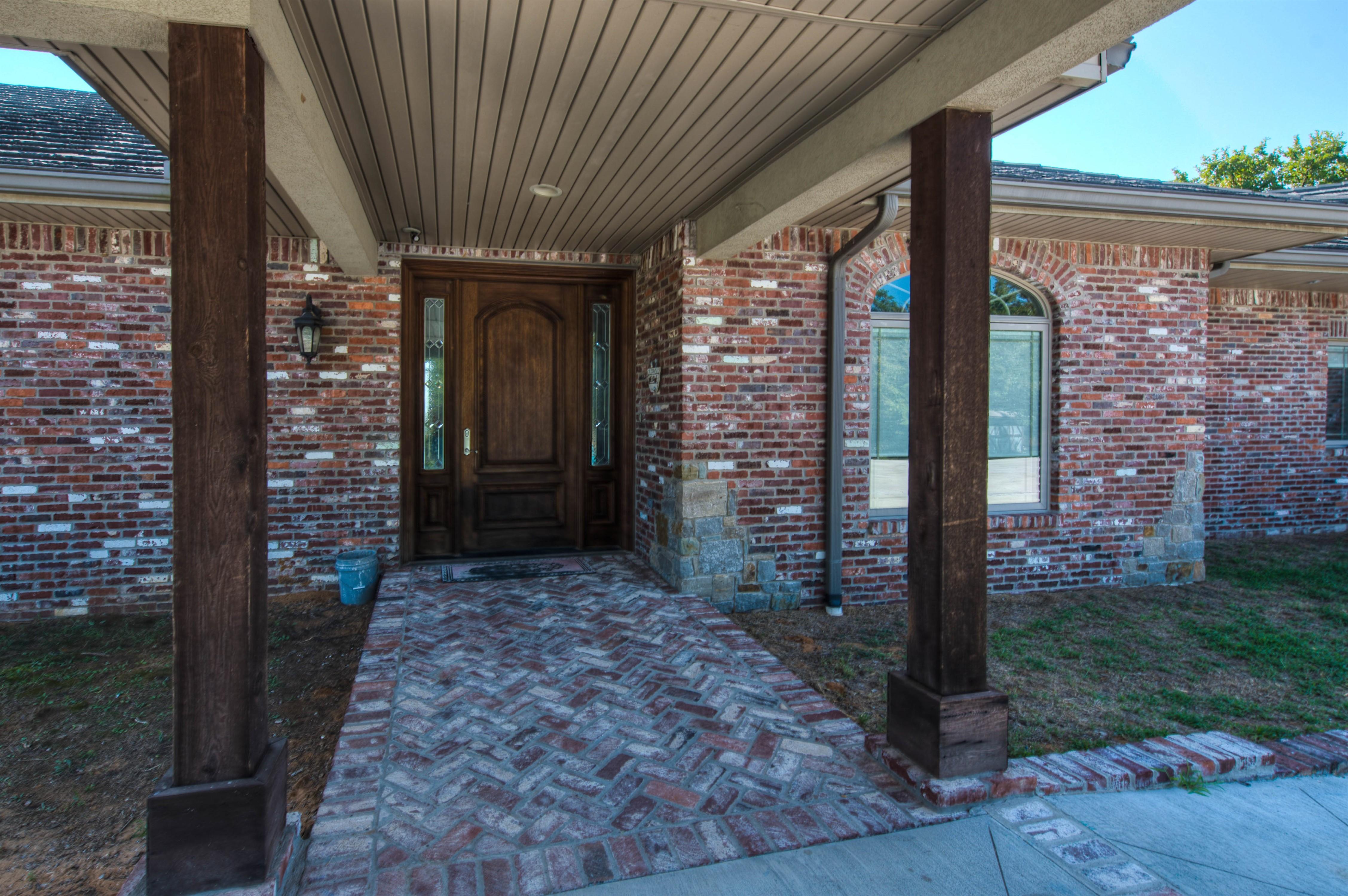 6918 W 183rd Street Property Photo 10