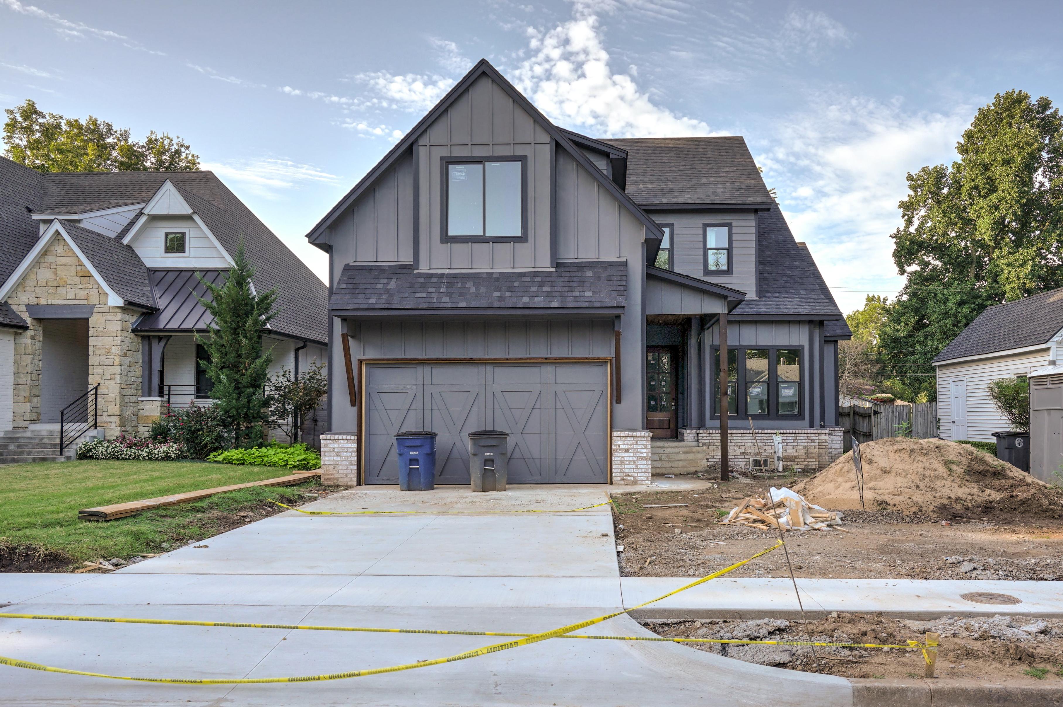 1016 E 37th Street Property Photo 2
