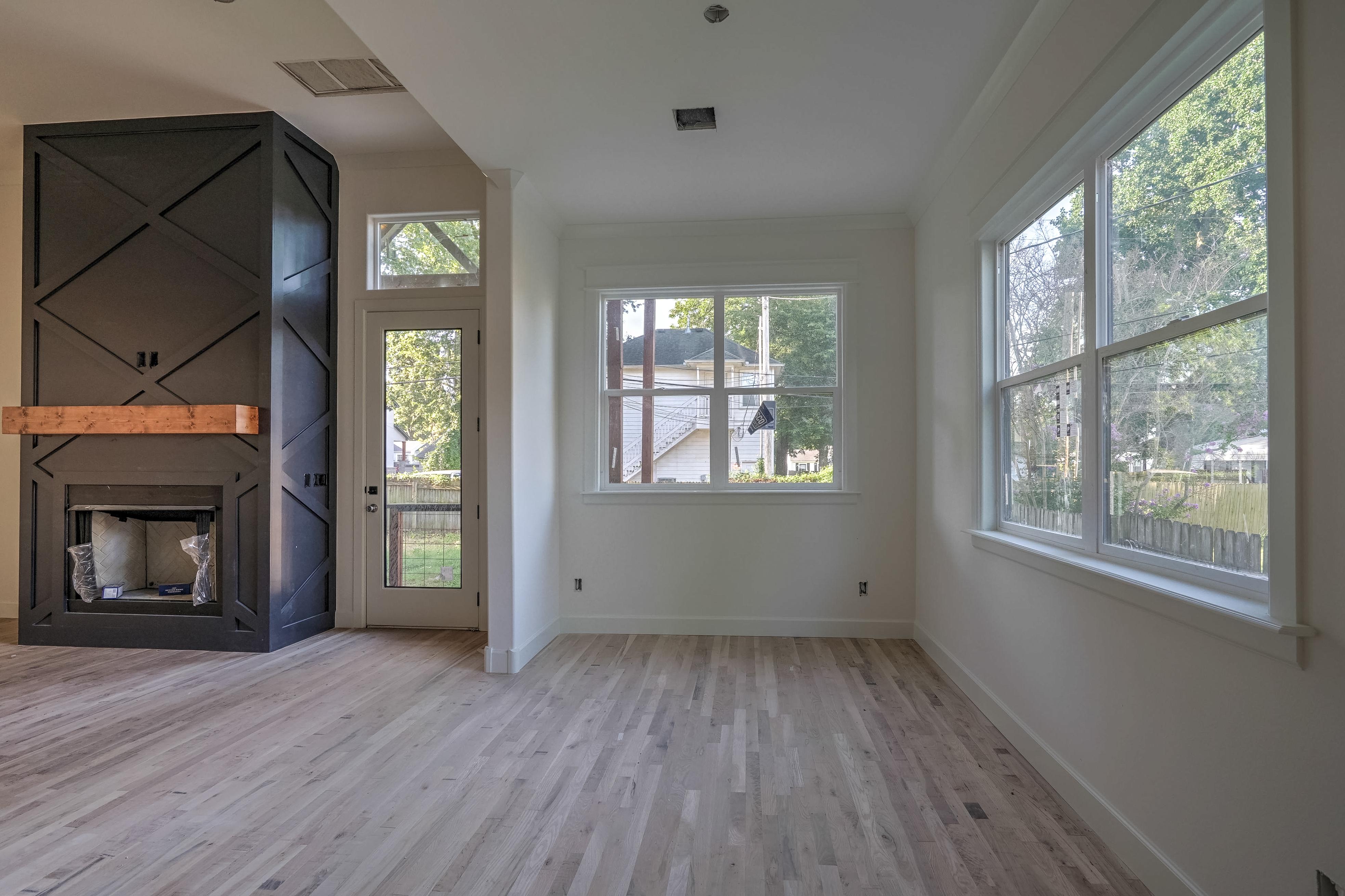 1016 E 37th Street Property Photo 10