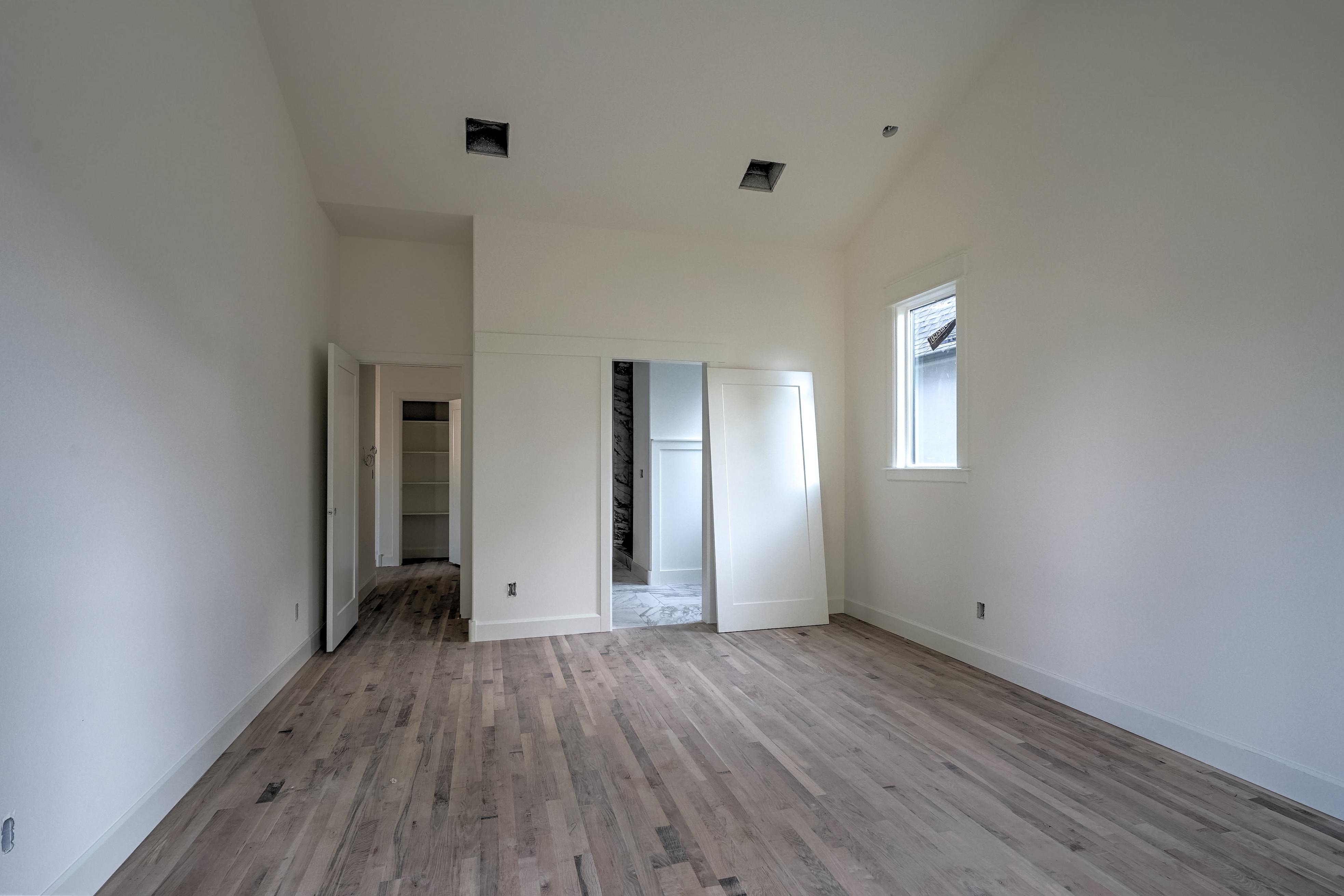 1016 E 37th Street Property Photo 16