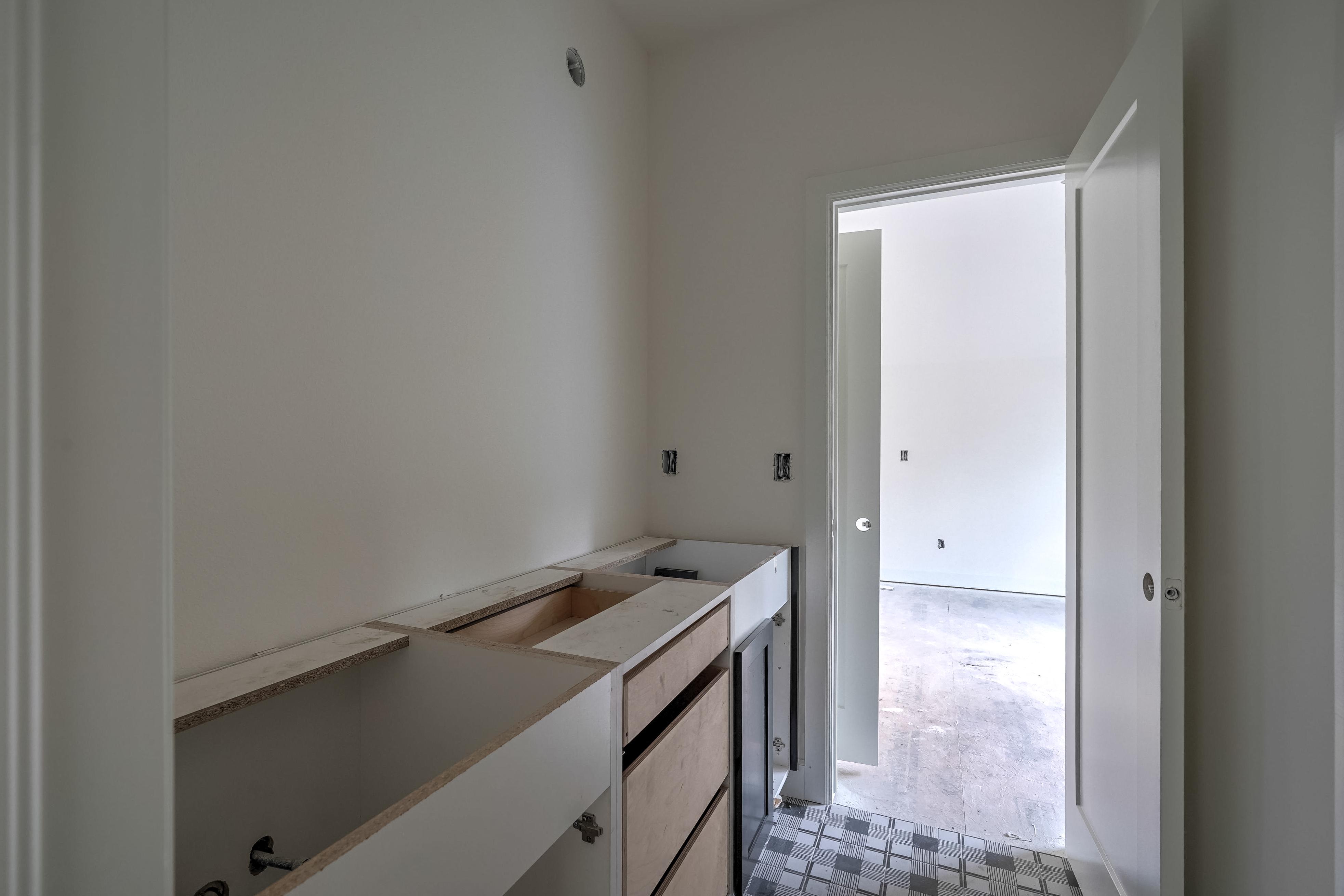 1016 E 37th Street Property Photo 27