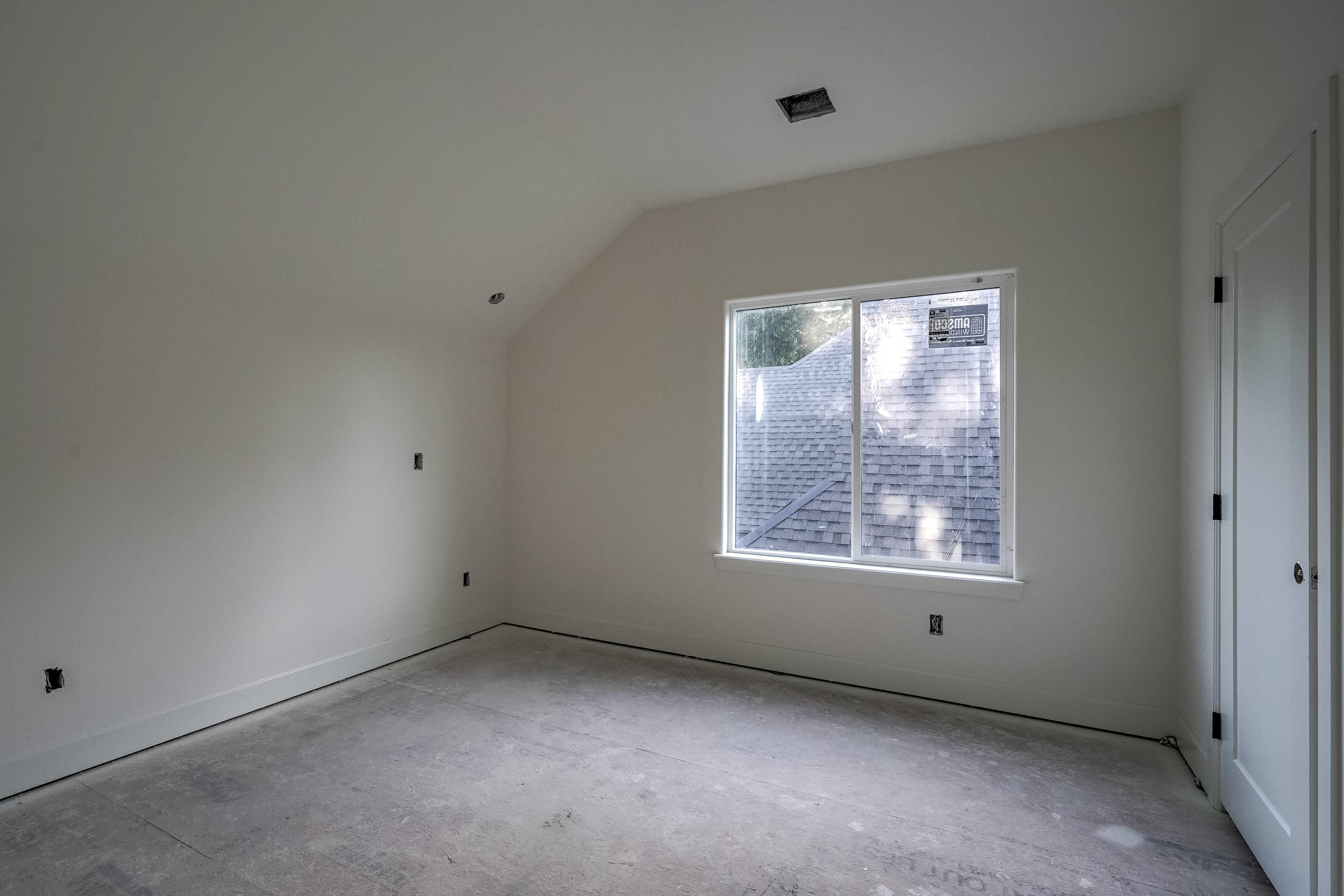 1016 E 37th Street Property Photo 29