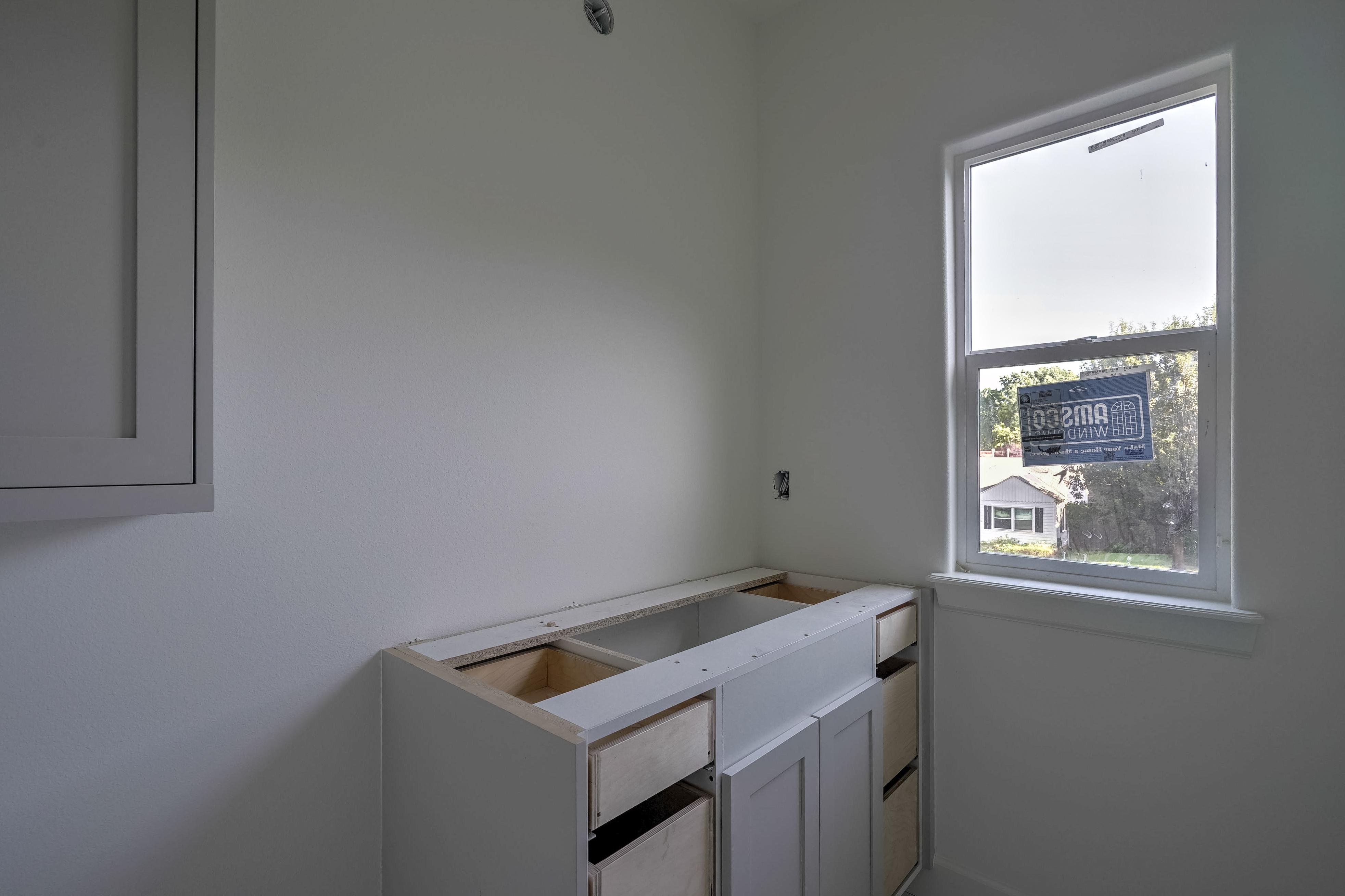 1016 E 37th Street Property Photo 33