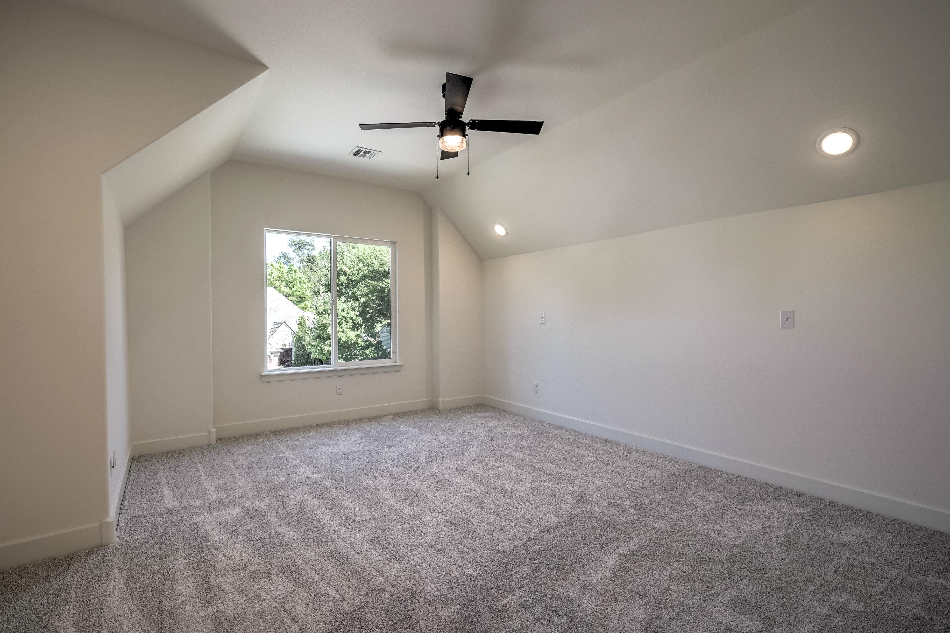 1016 E 37th Street Property Photo 32
