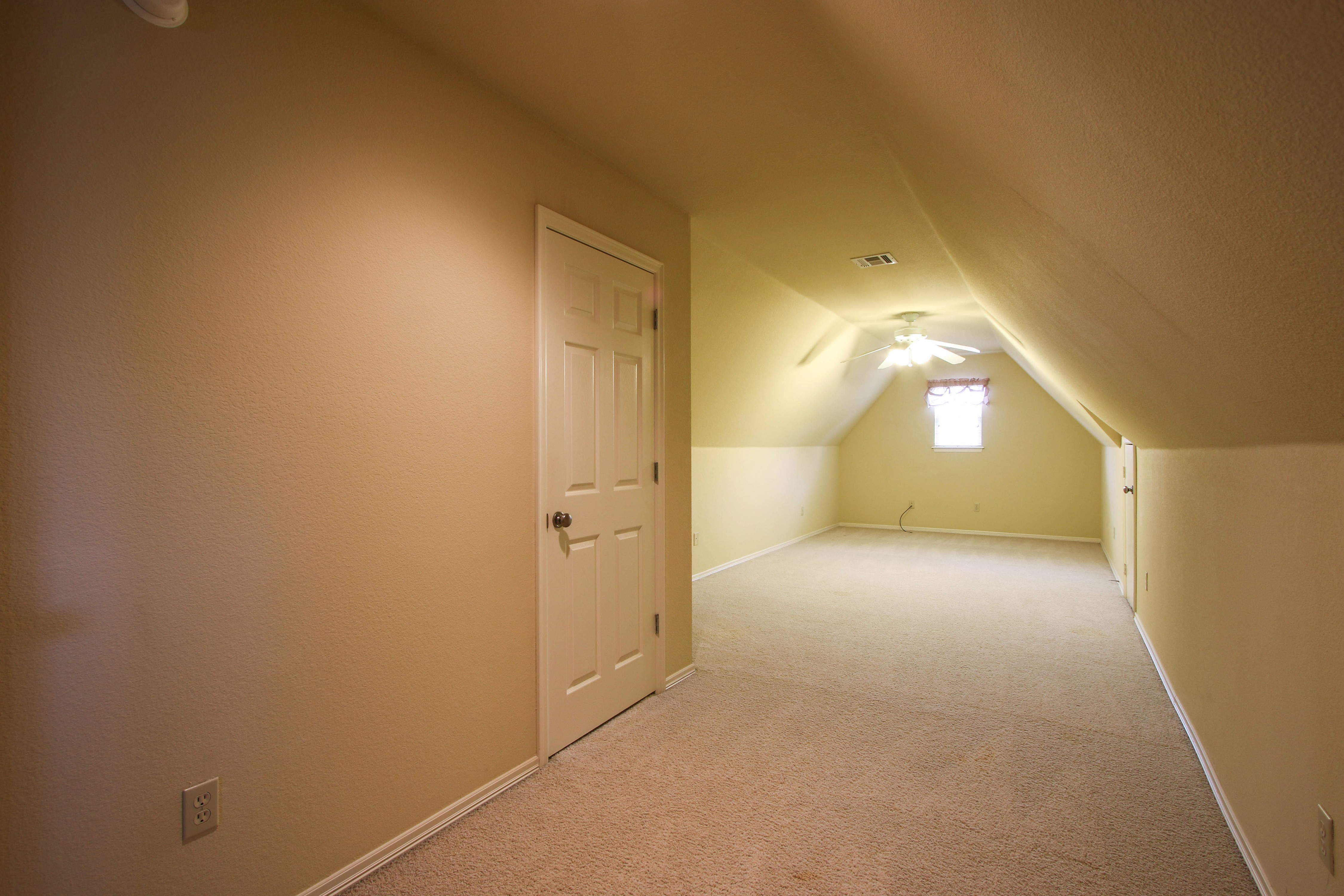 10913 S 87th East Avenue Property Photo 28