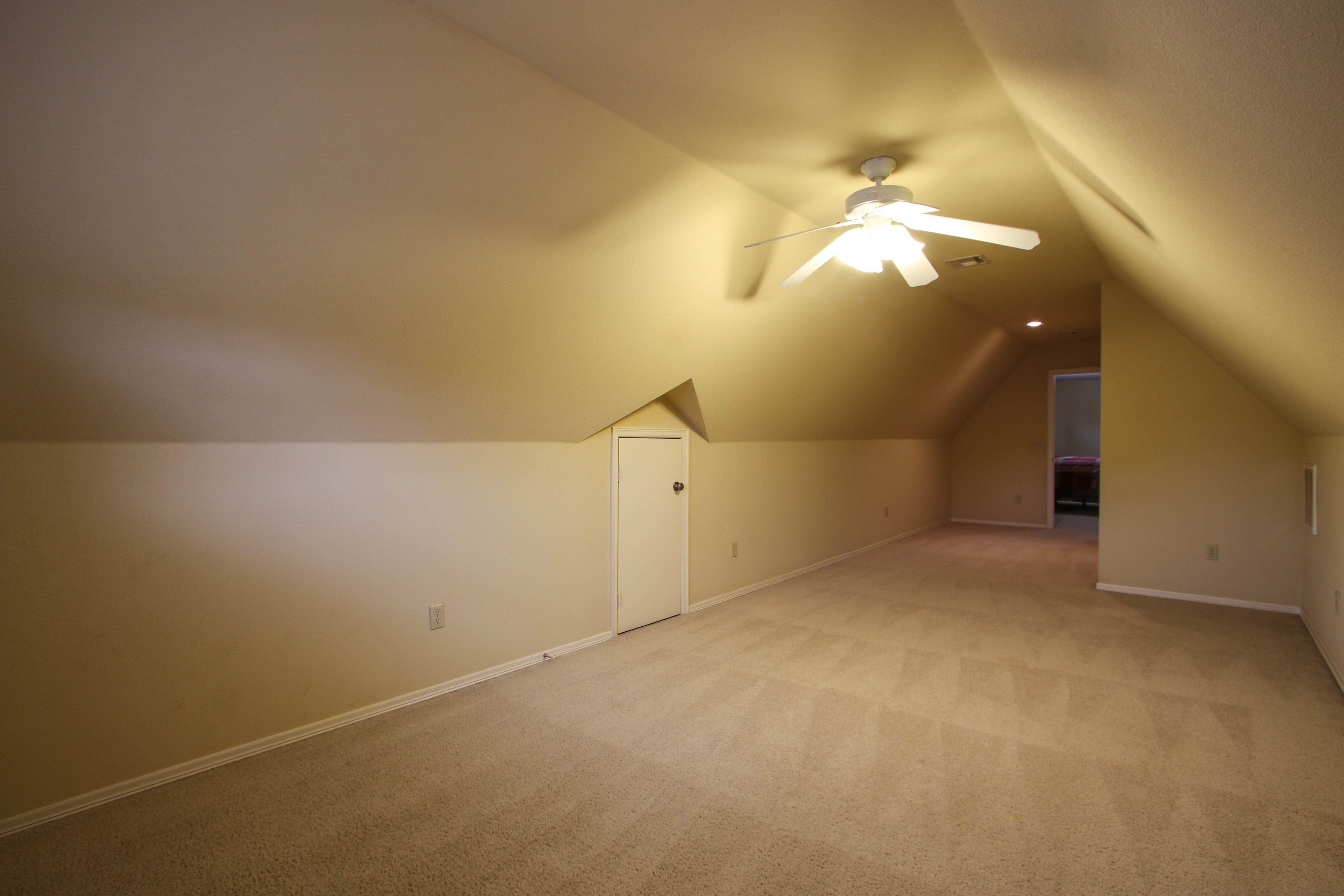 10913 S 87th East Avenue Property Photo 29