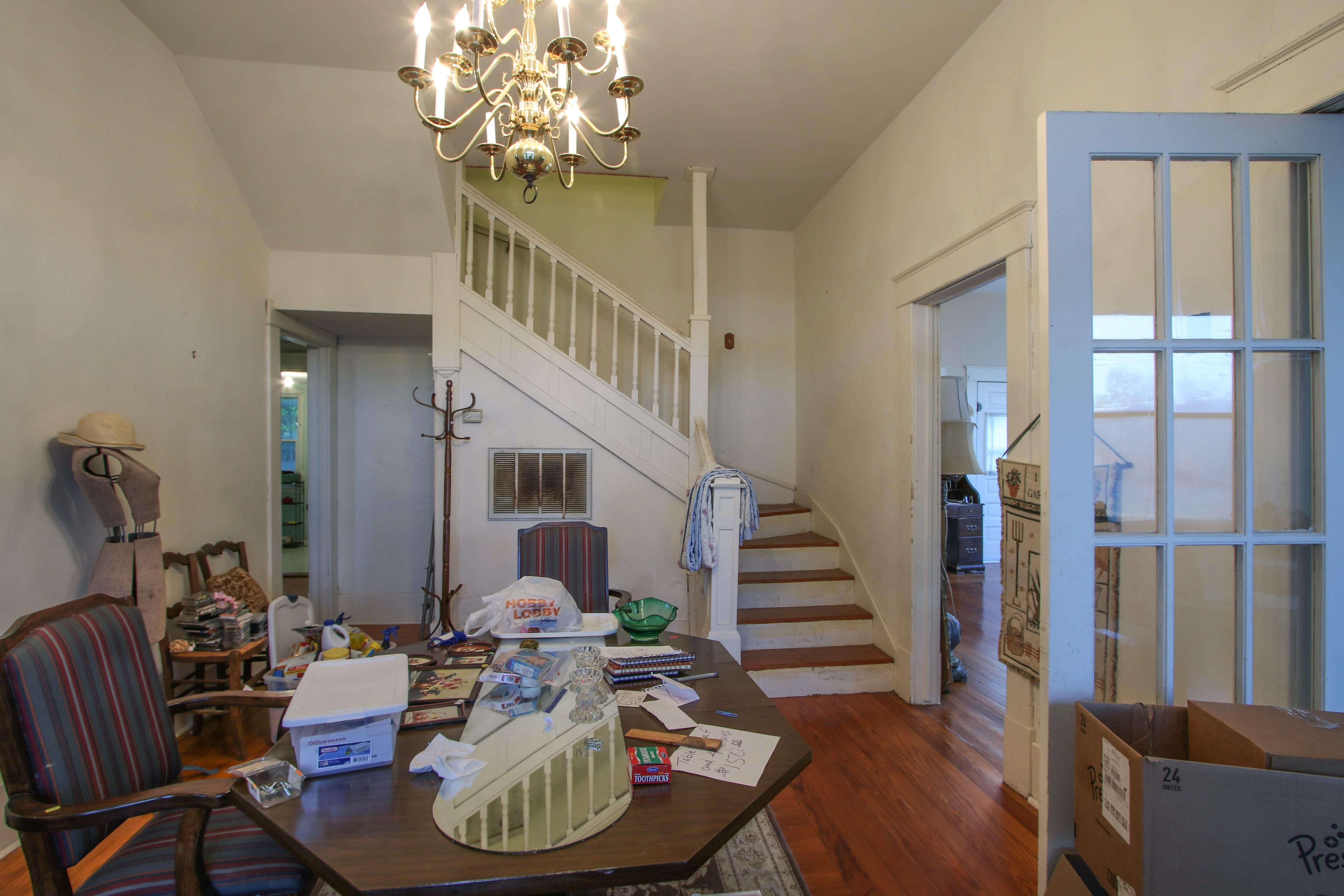 320 W Oak Avenue Property Photo 5