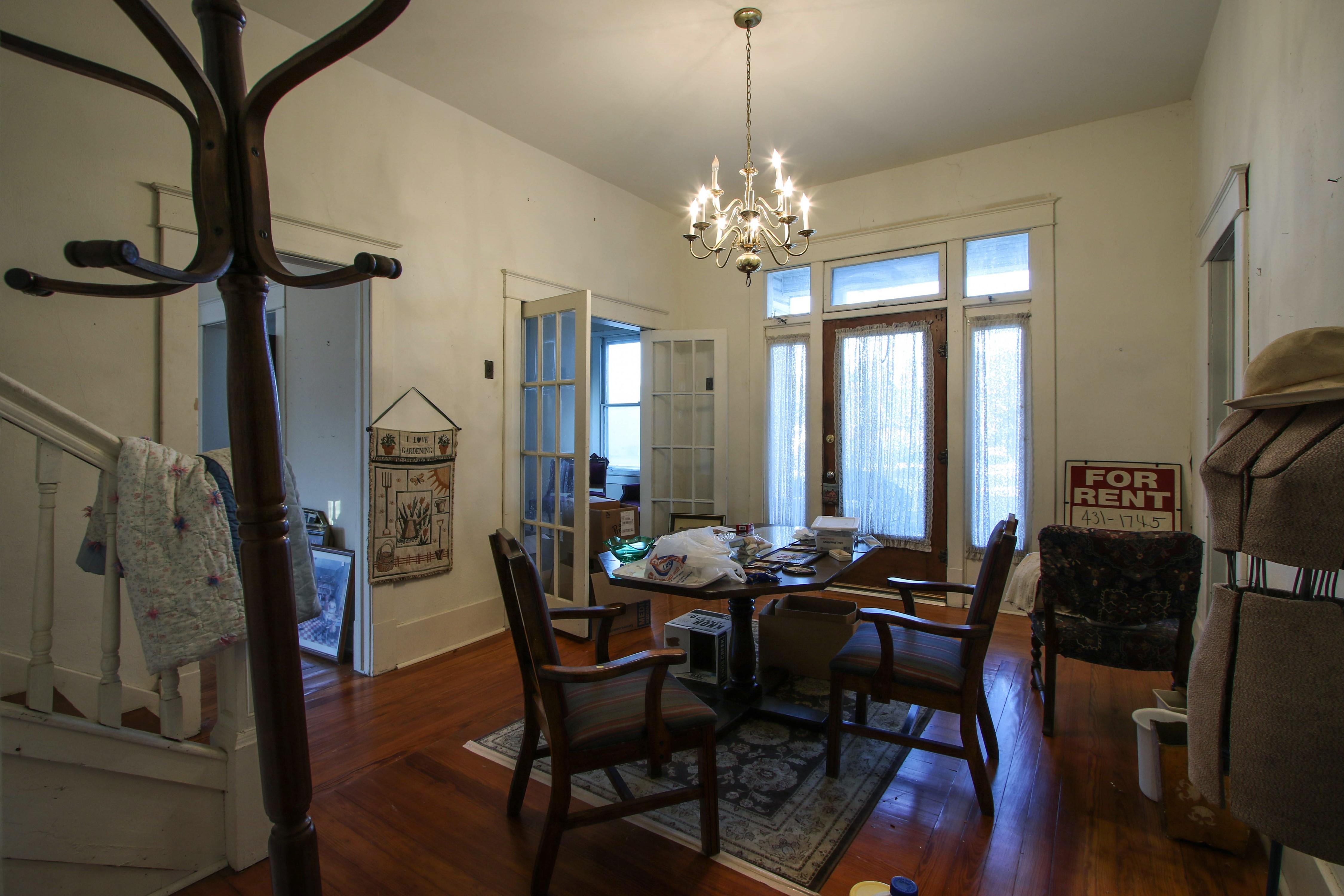 320 W Oak Avenue Property Photo 6