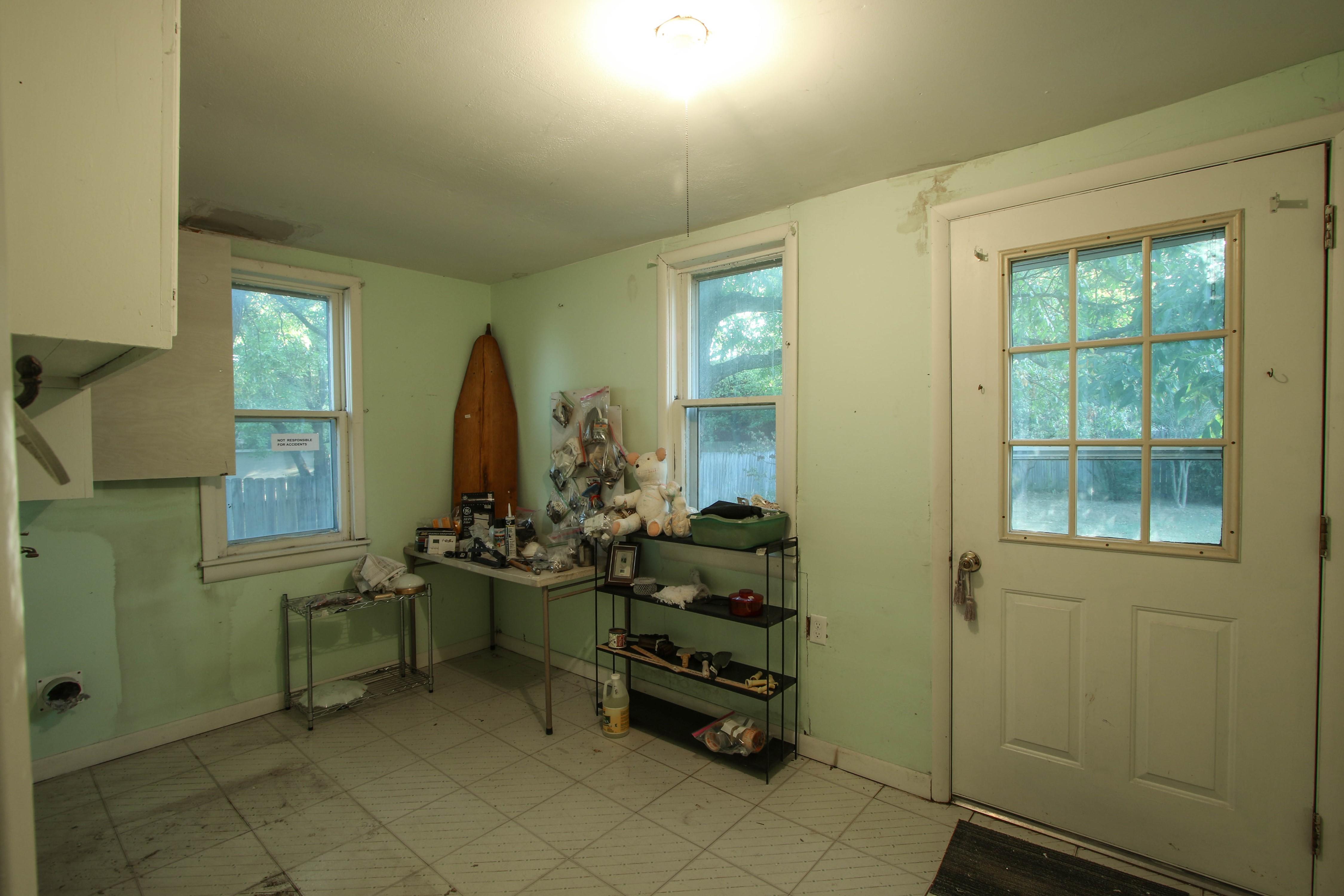 320 W Oak Avenue Property Photo 14