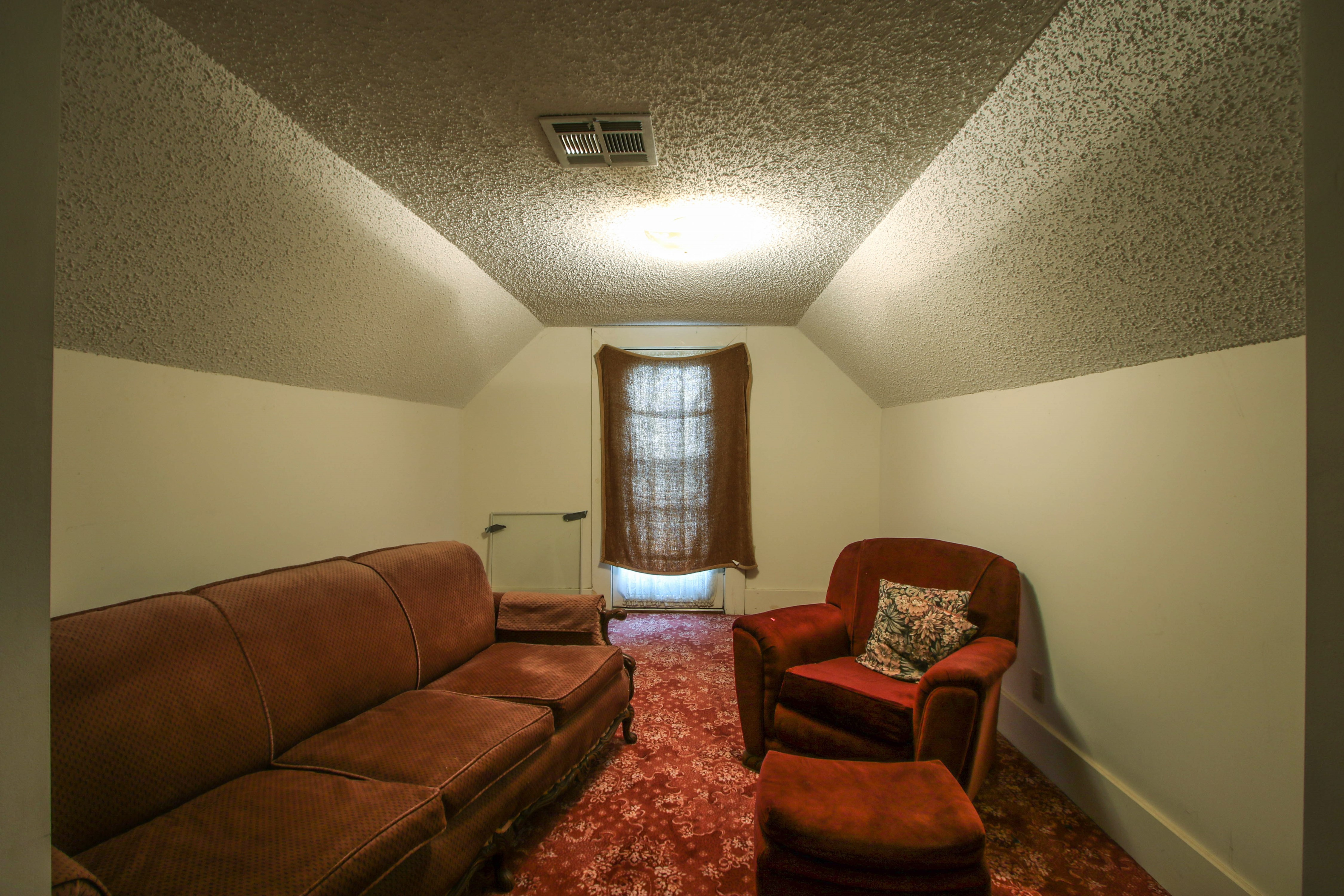 320 W Oak Avenue Property Photo 21