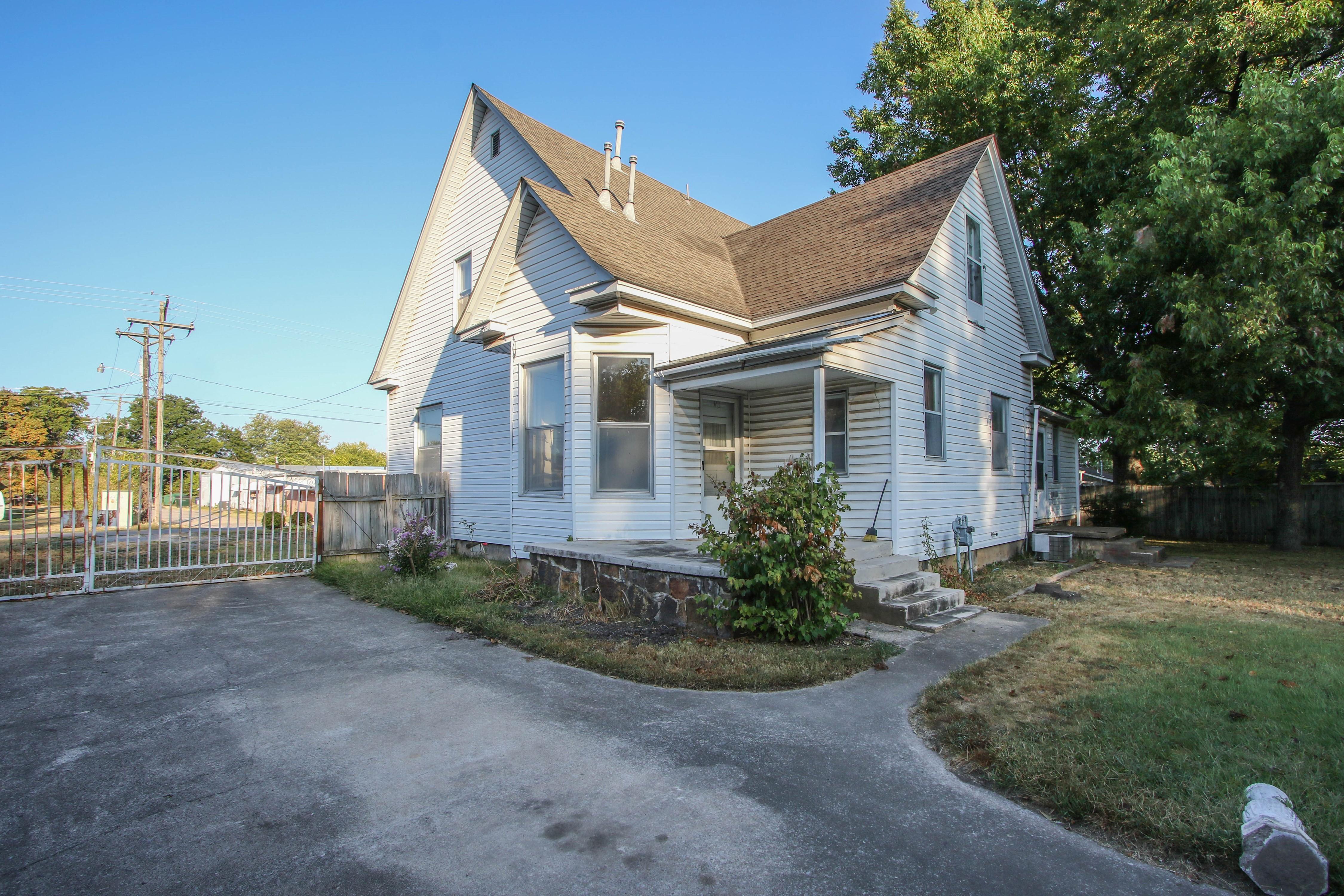 320 W Oak Avenue Property Photo 22