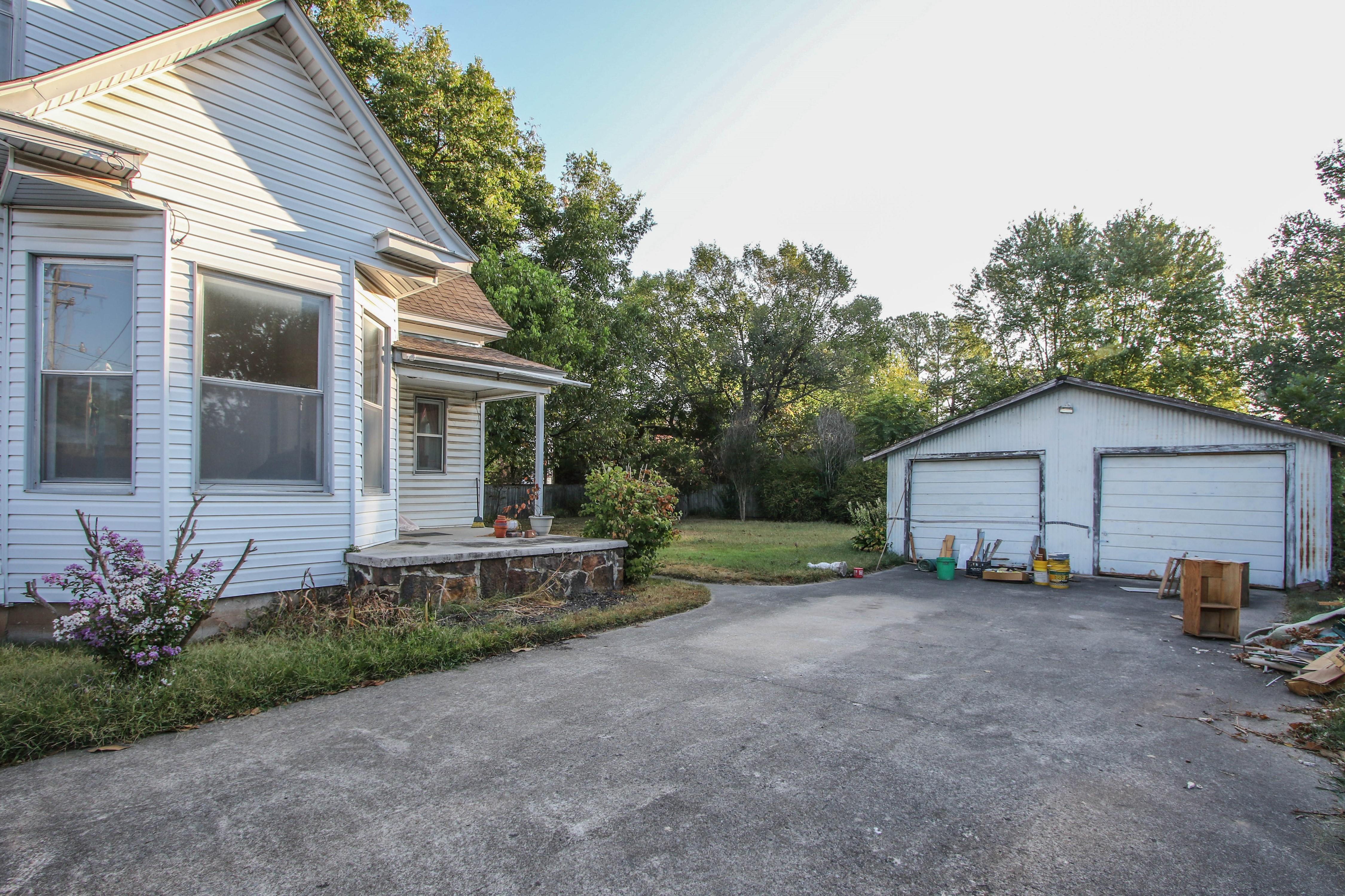 320 W Oak Avenue Property Photo 23