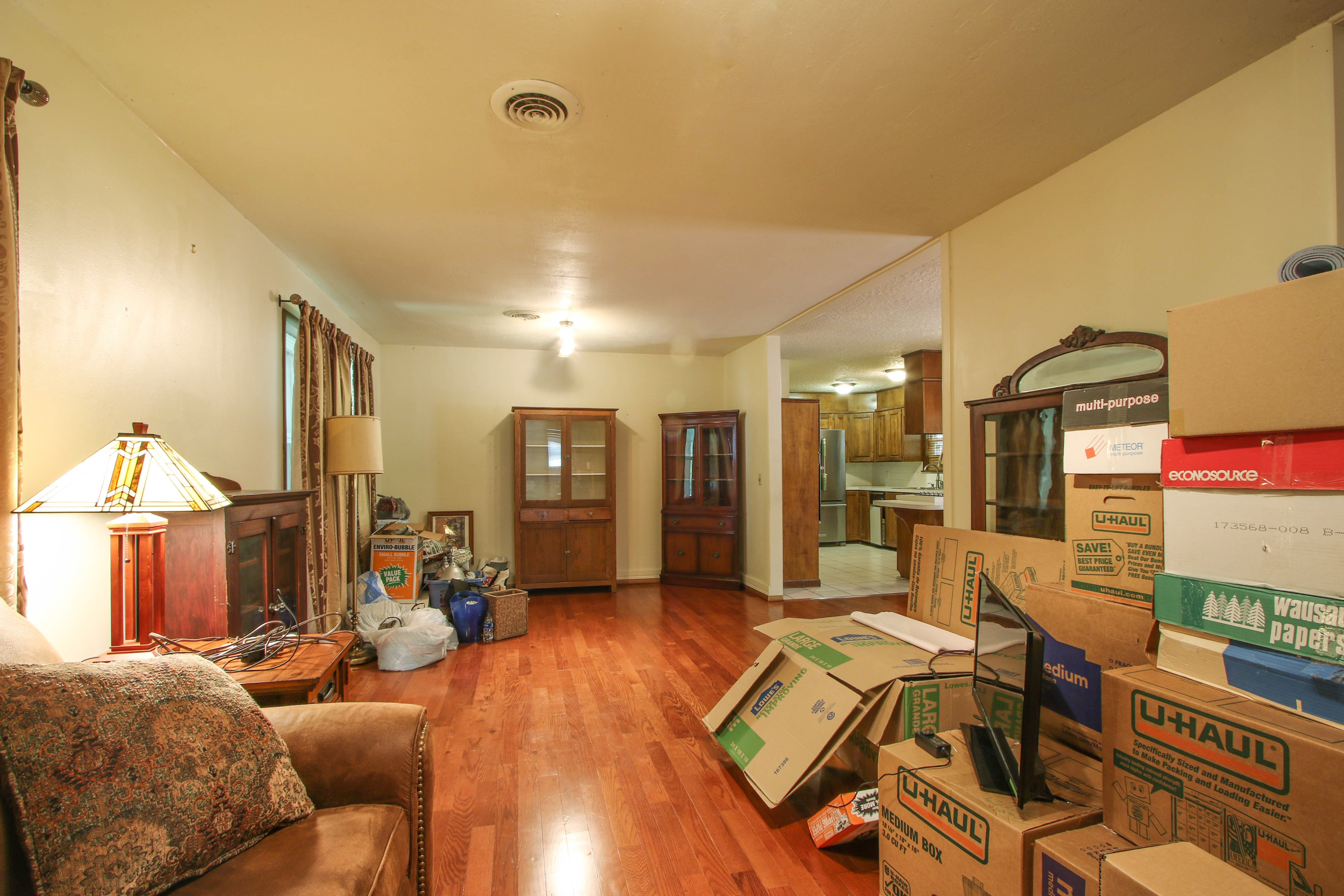 713 Brentwood Drive Property Photo 5