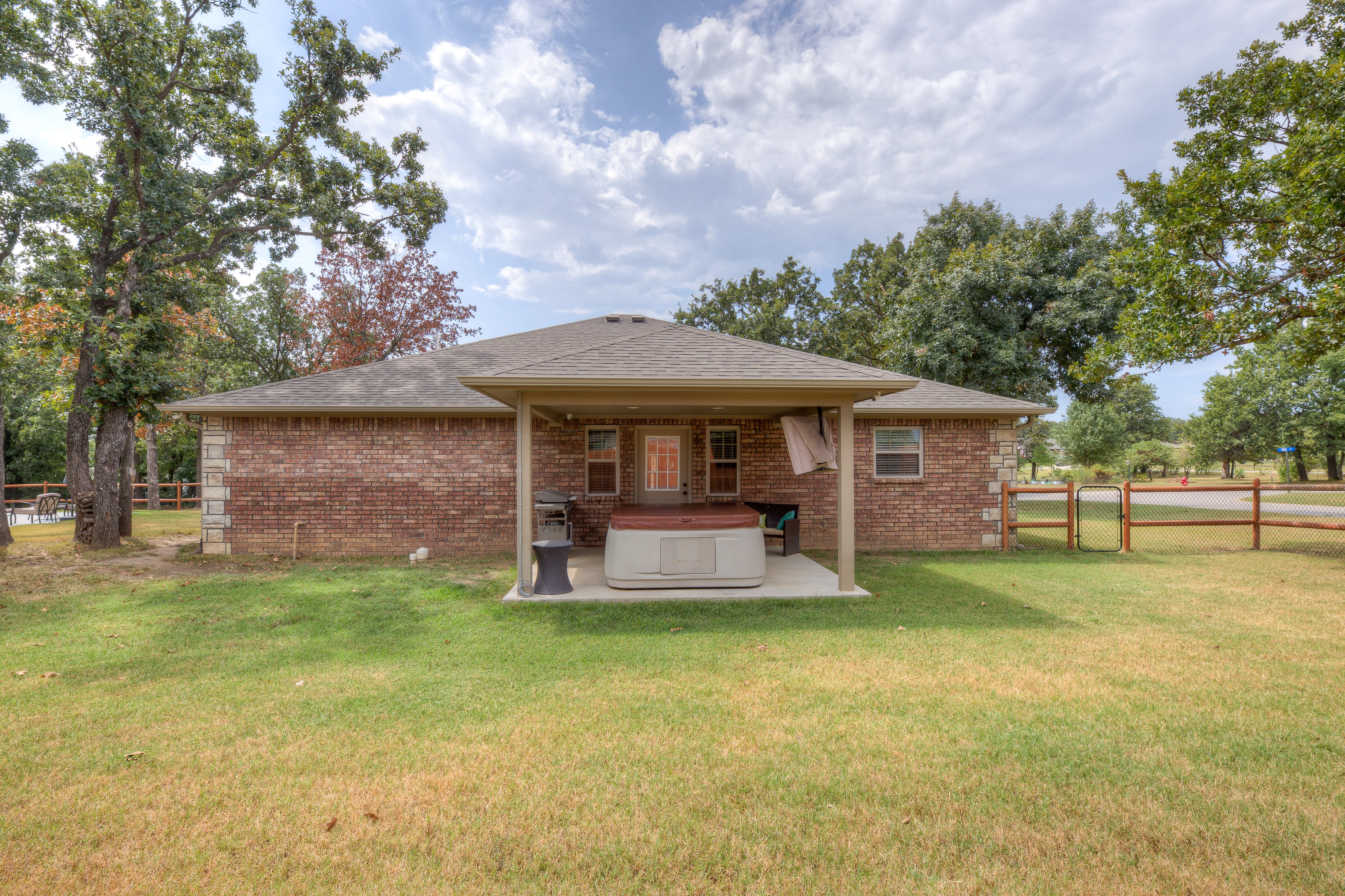 1096 Gibson Place Property Photo 25