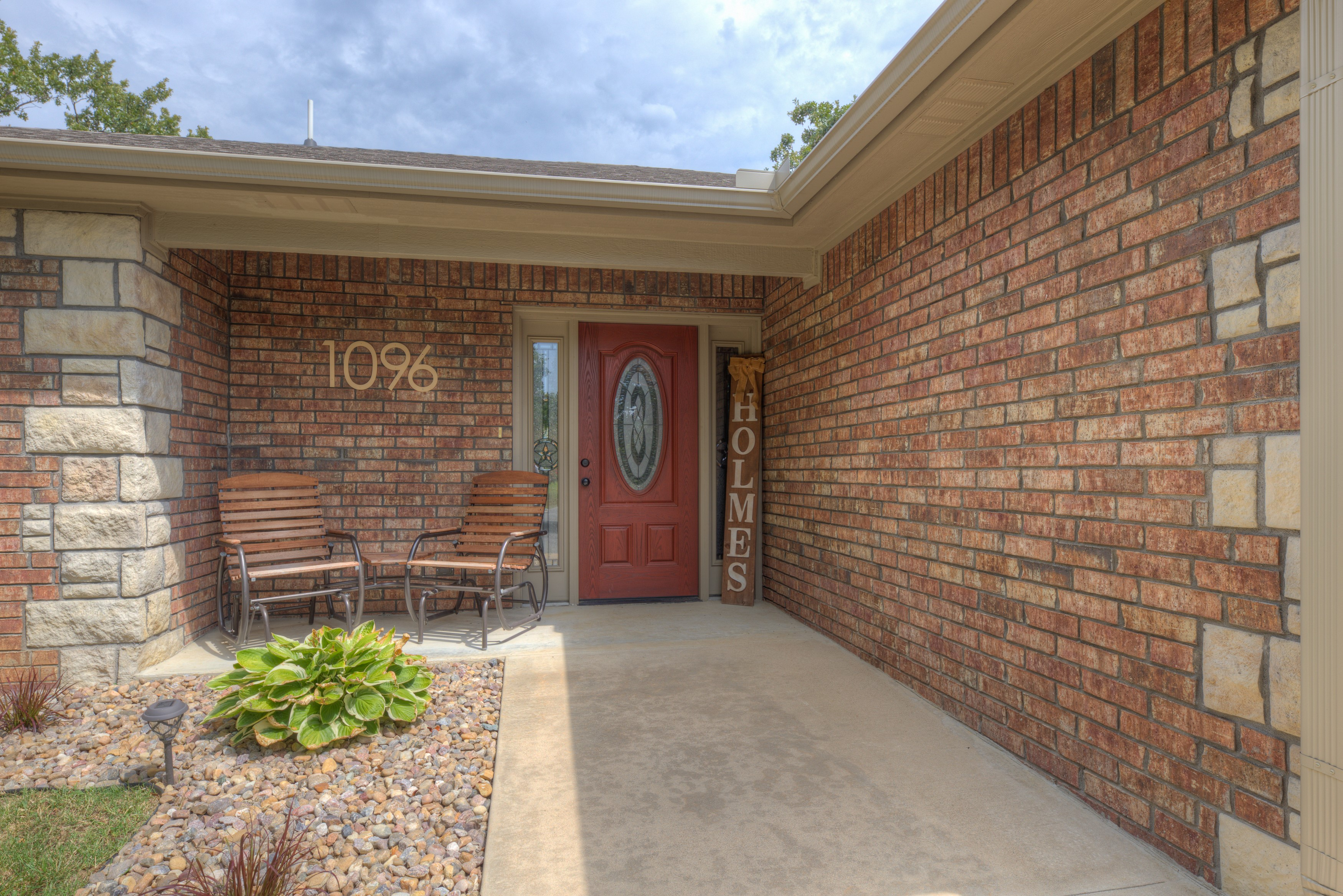 1096 Gibson Place Property Photo 2