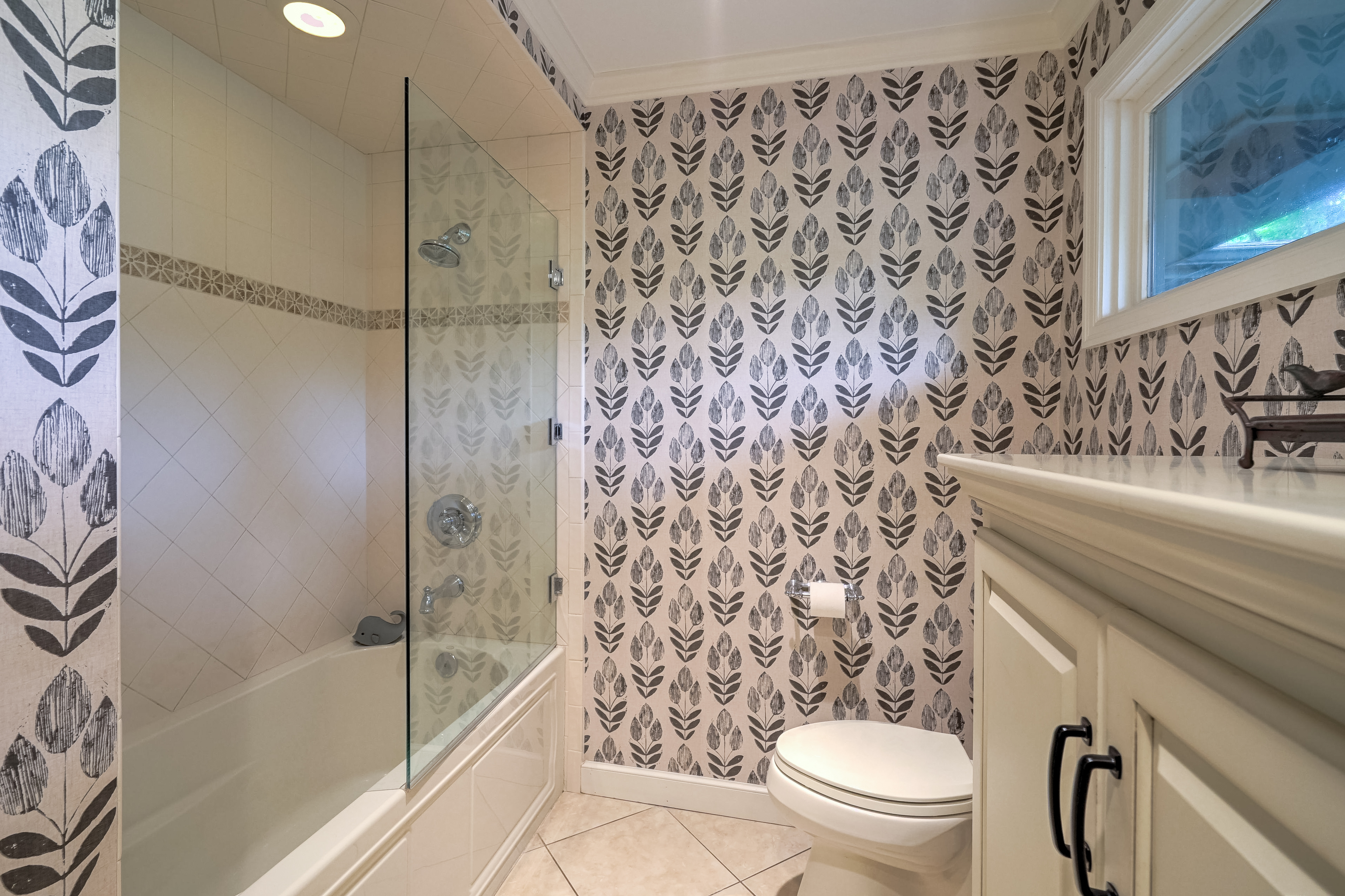 2431 E 46th Place Property Photo 26