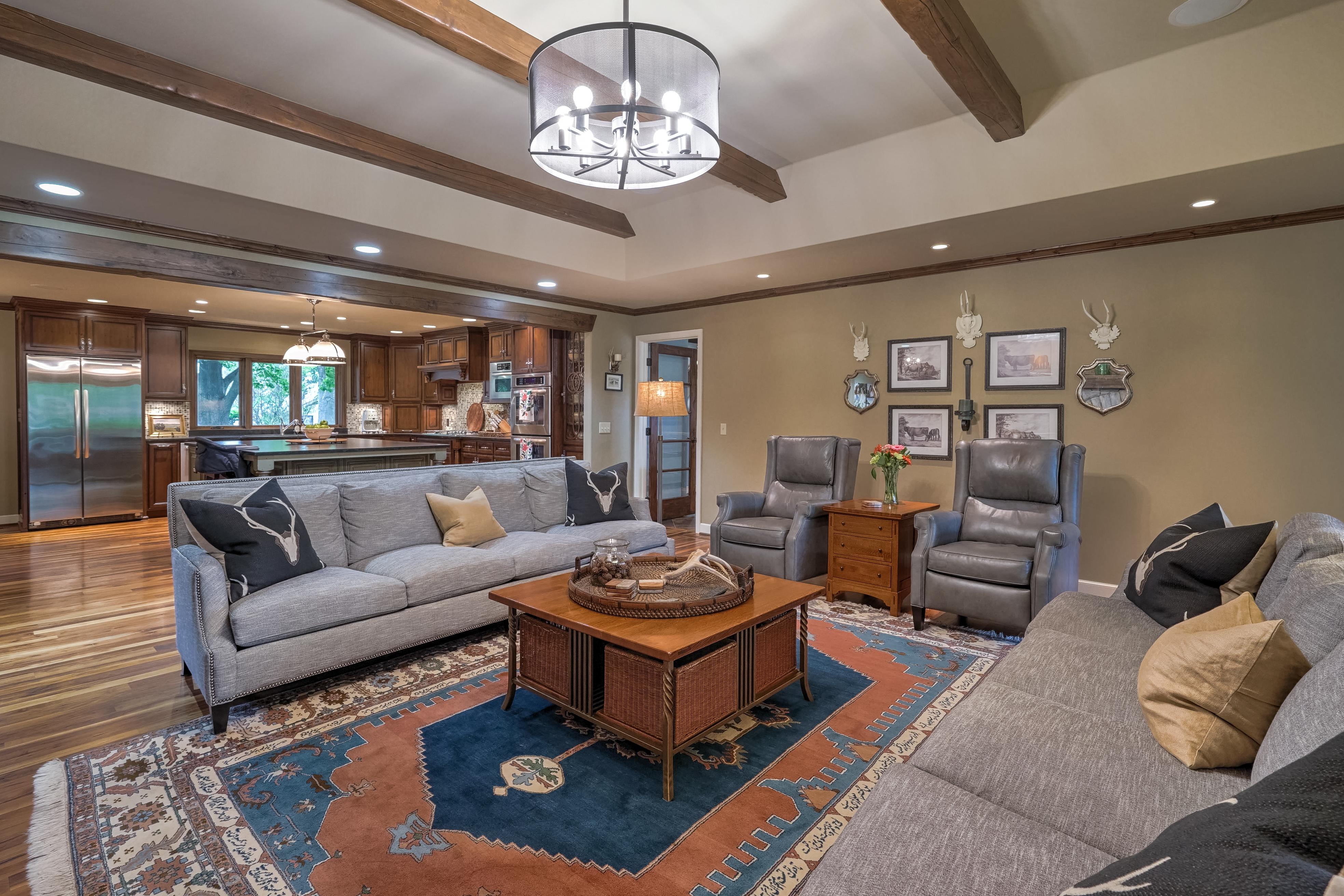 2431 E 46th Place Property Photo 11