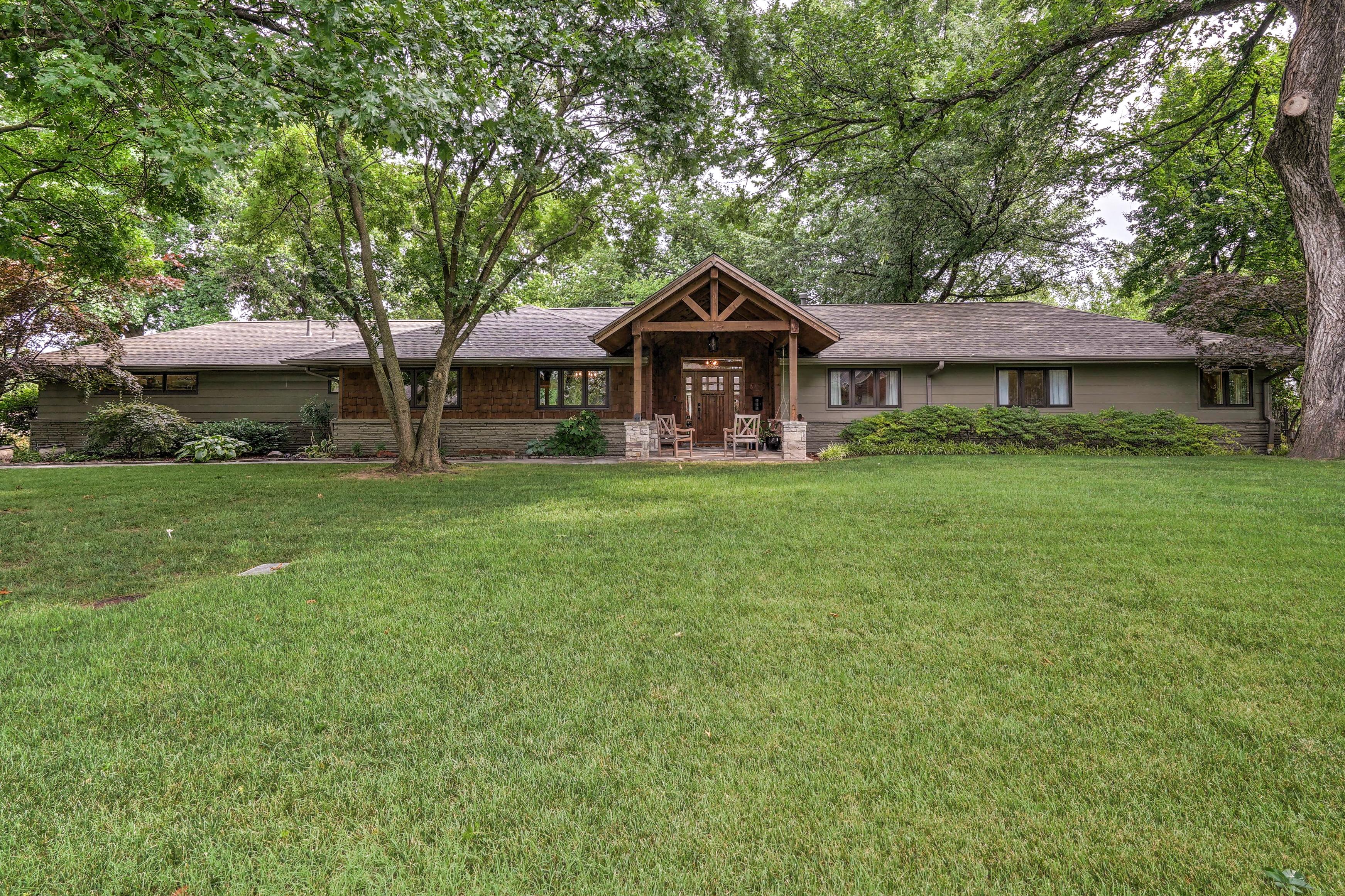 2431 E 46th Place Property Photo 1