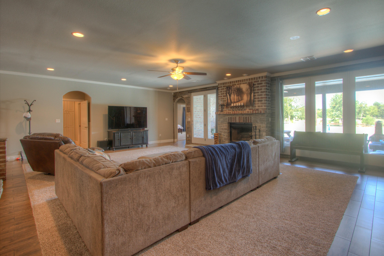 2619 E 161st Street Property Photo 8