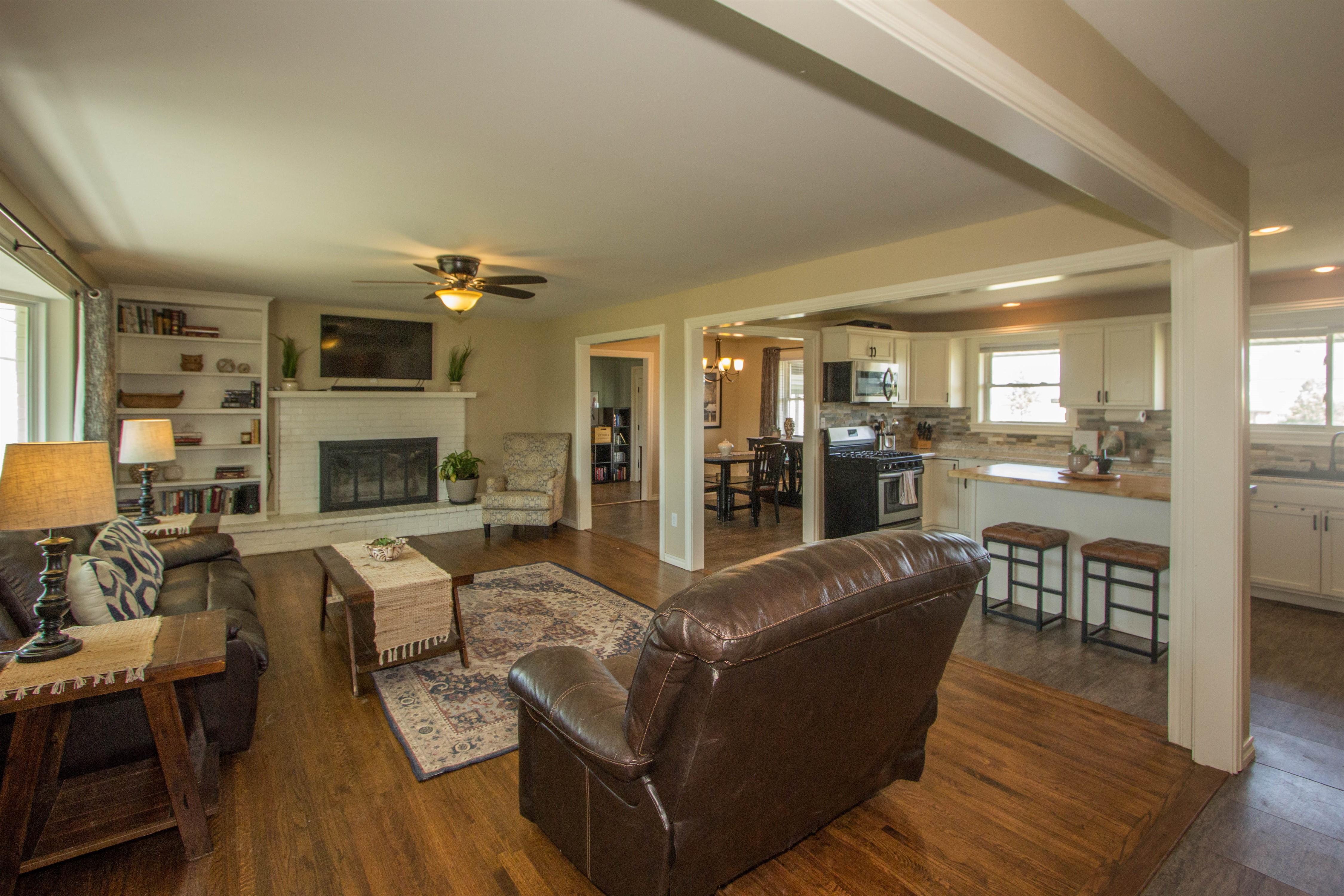 15375 E 136th Street North Property Photo 3