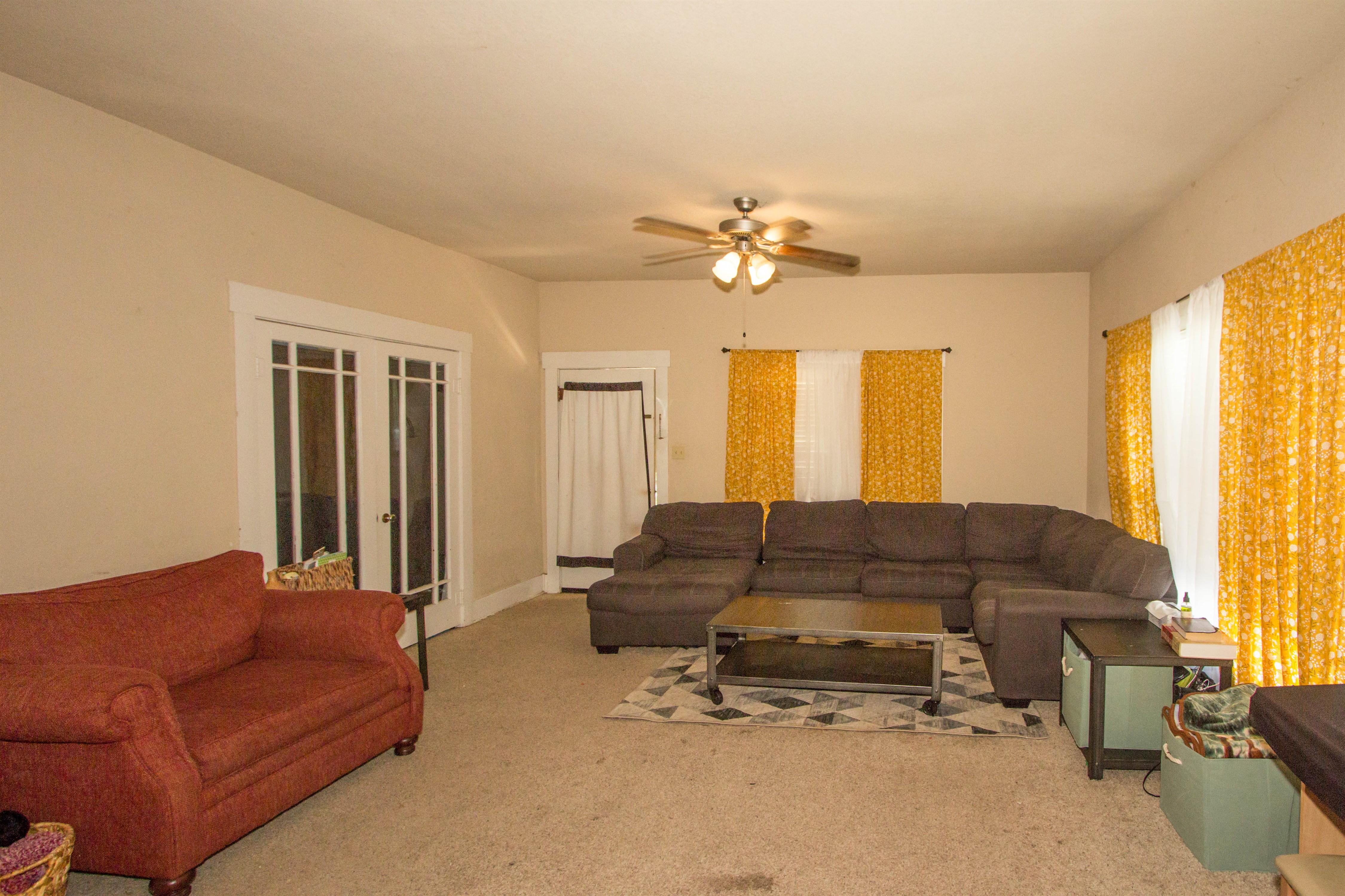 321 W 6th Avenue #74010 Property Photo 4