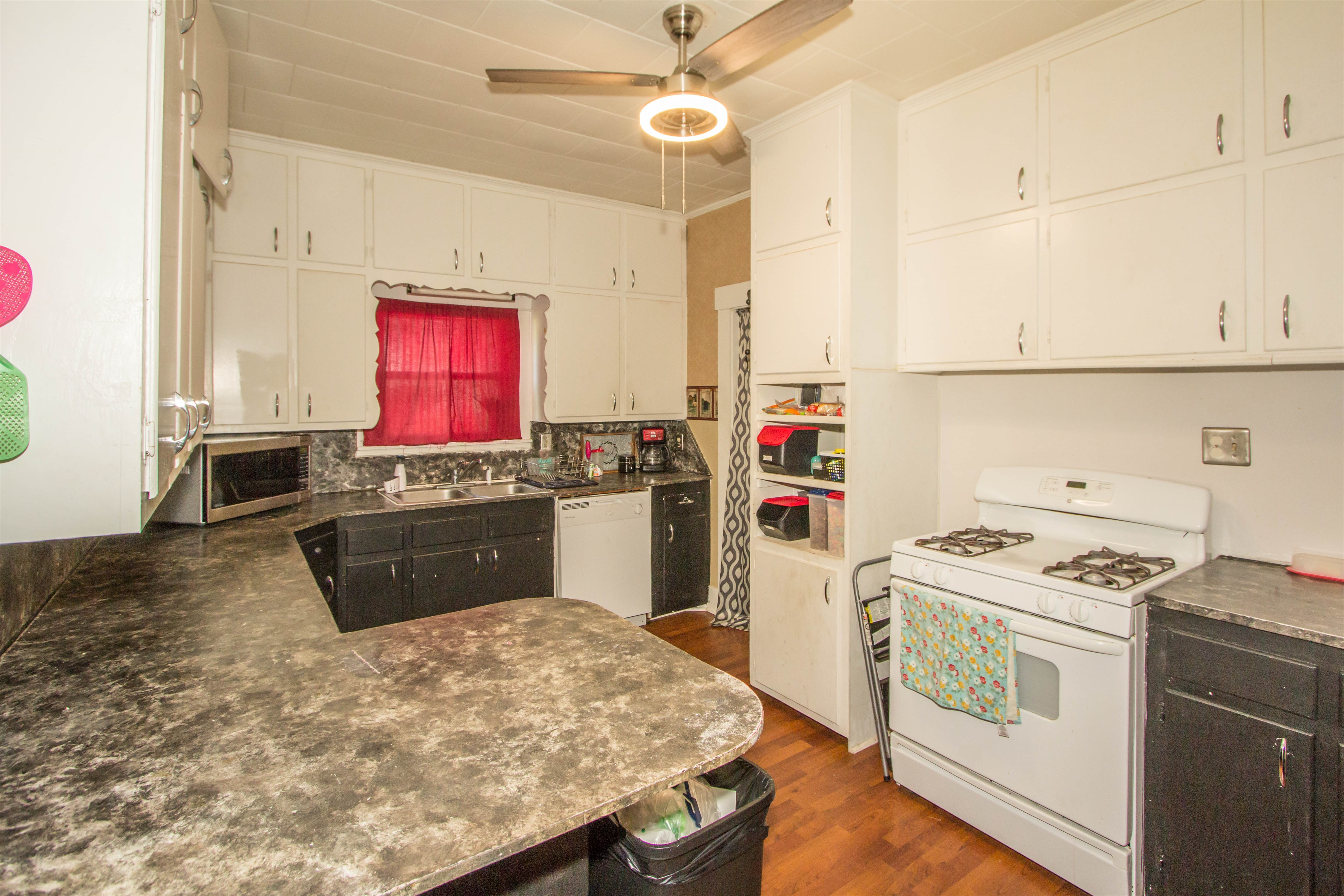 321 W 6th Avenue #74010 Property Photo 7