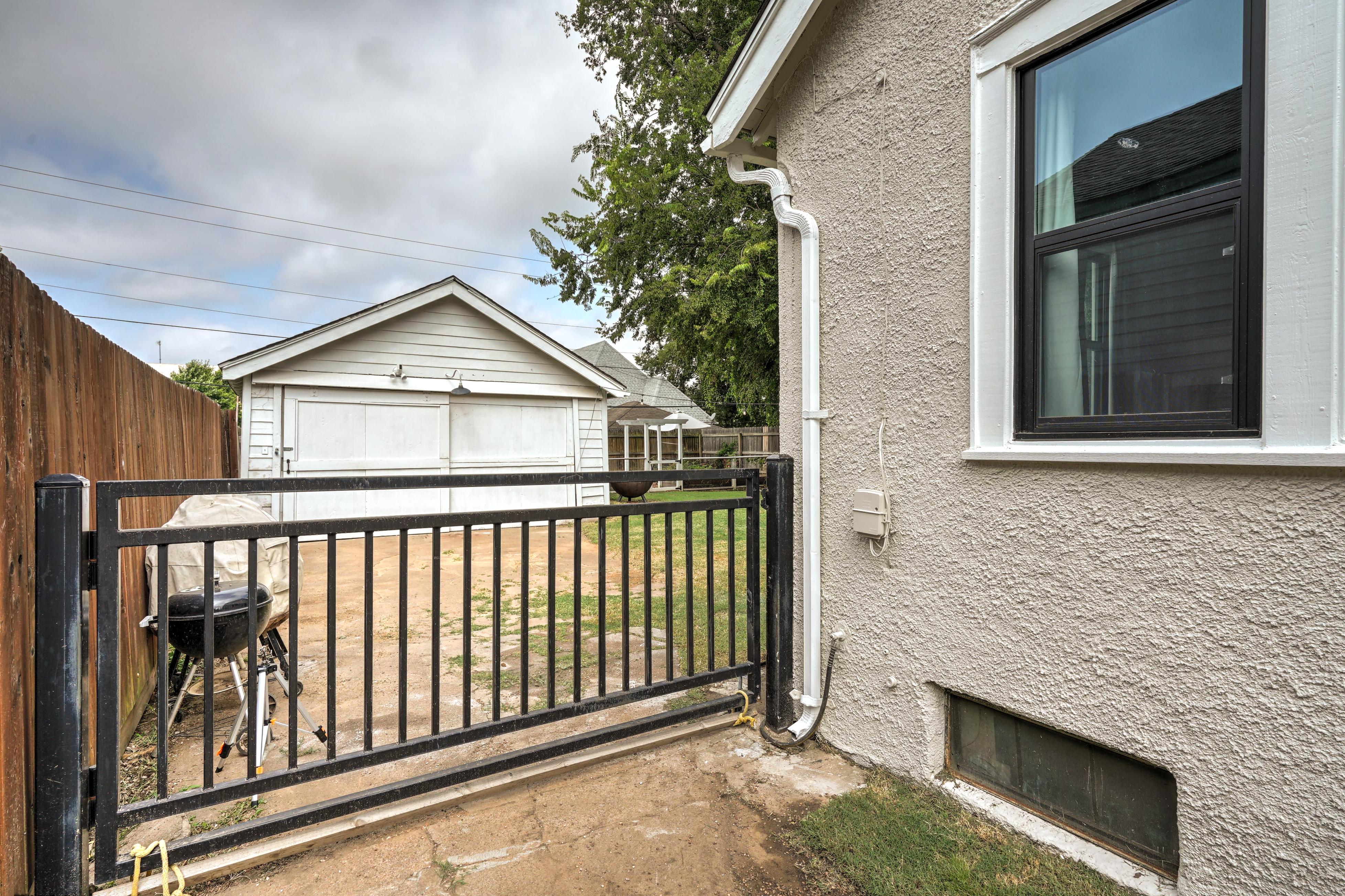 836 S Indianapolis Avenue Property Photo 31