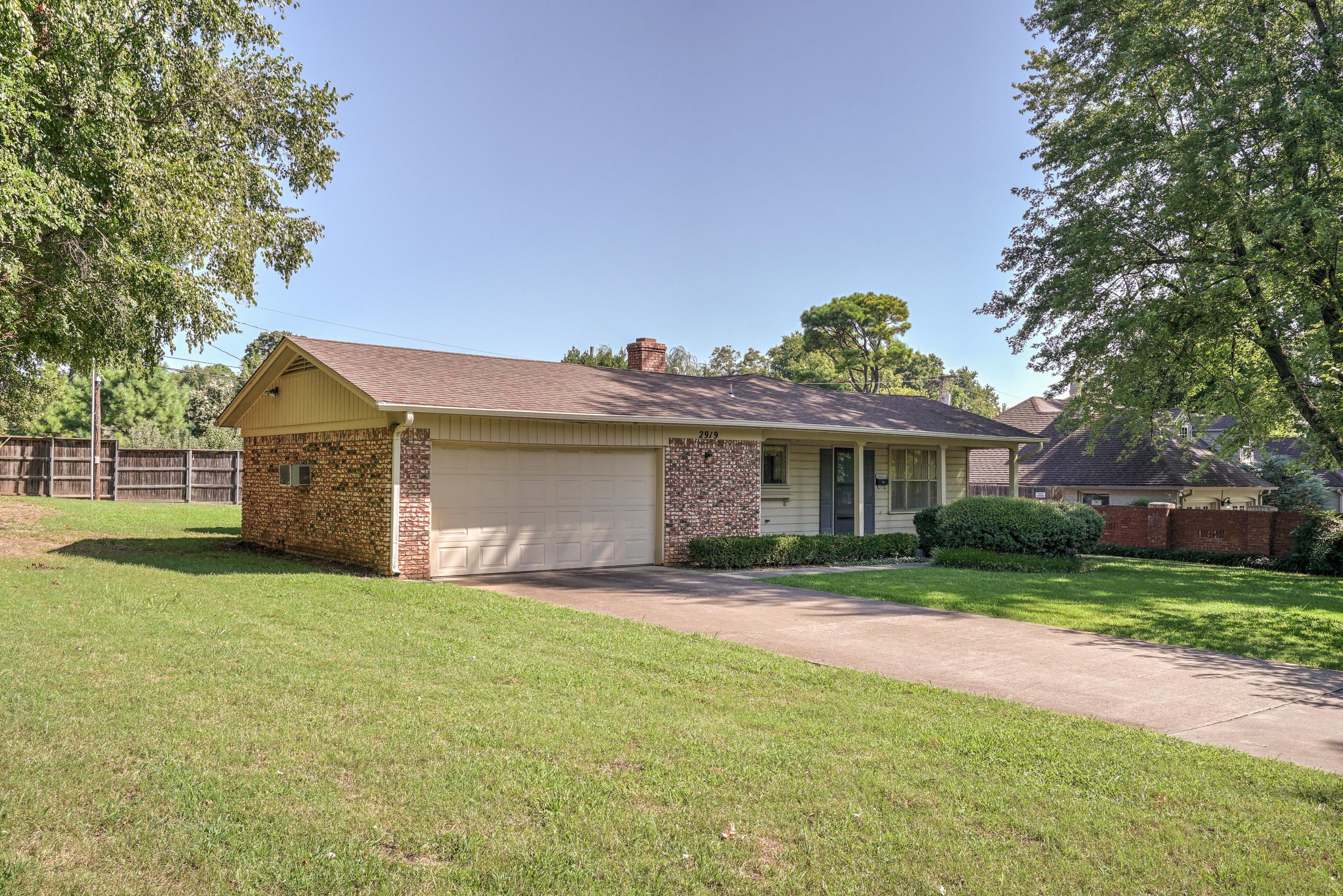 2919 E 46th Street Property Photo 6