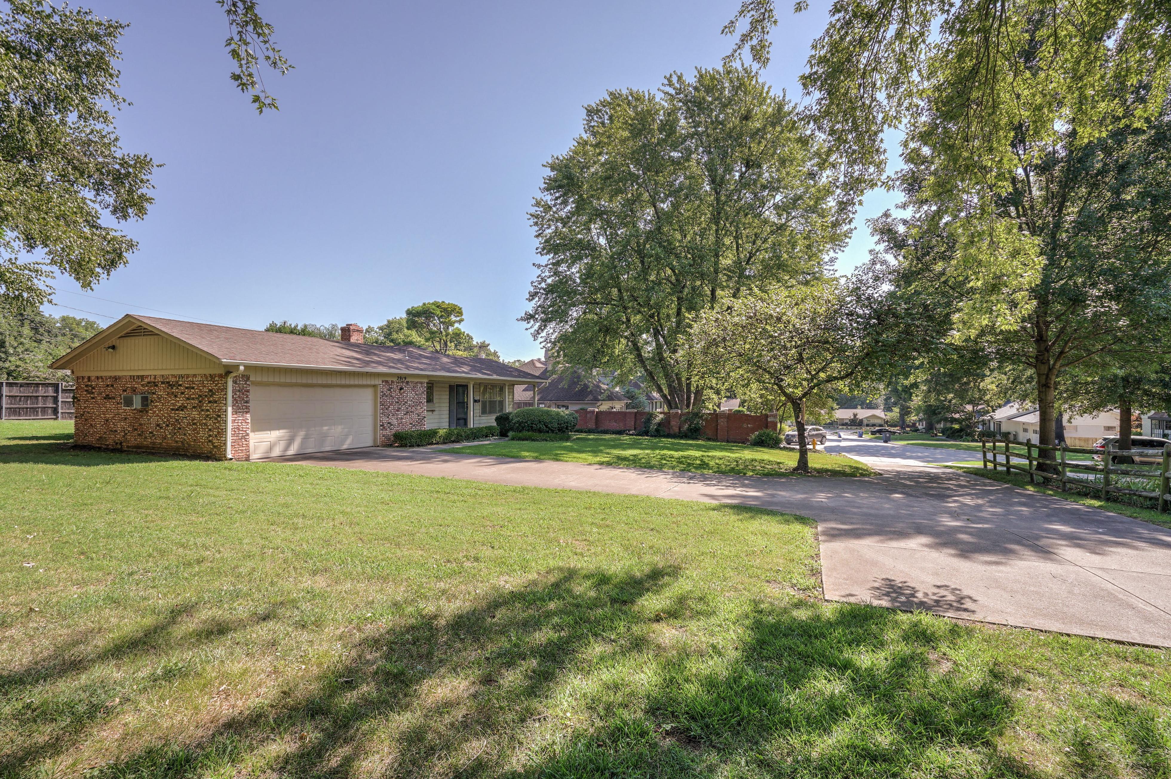 2919 E 46th Street Property Photo 7
