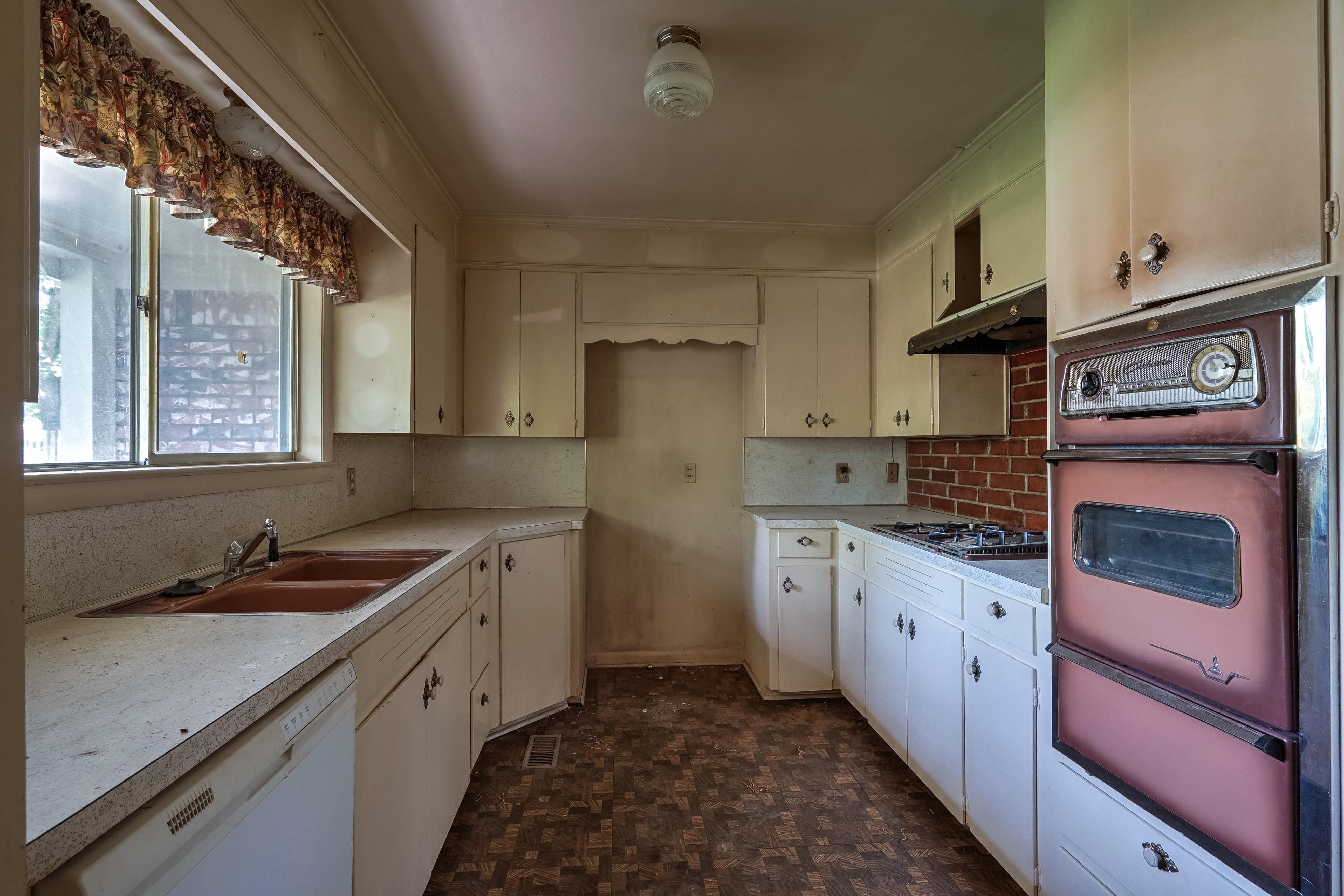 2919 E 46th Street Property Photo 14