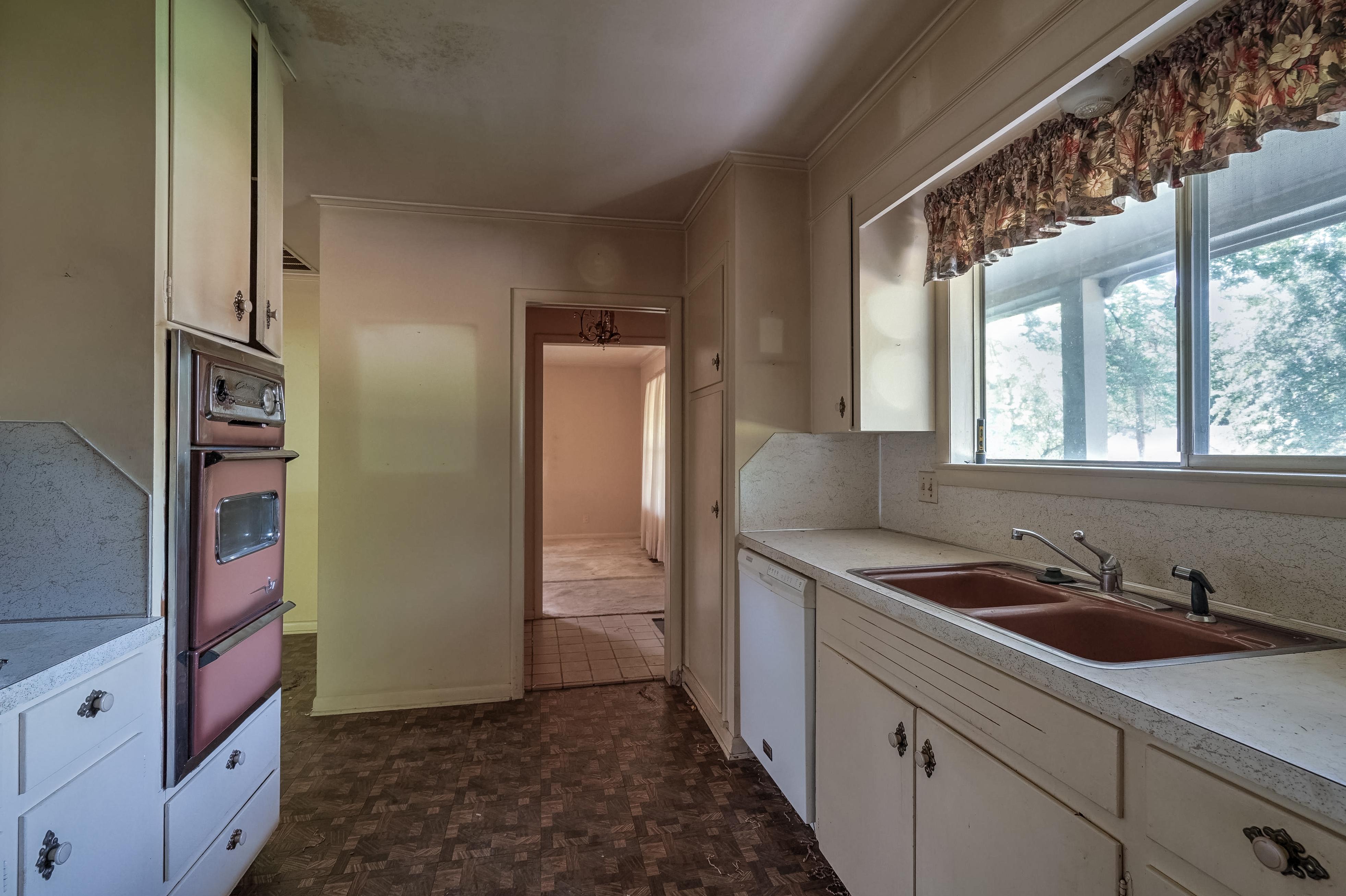 2919 E 46th Street Property Photo 15