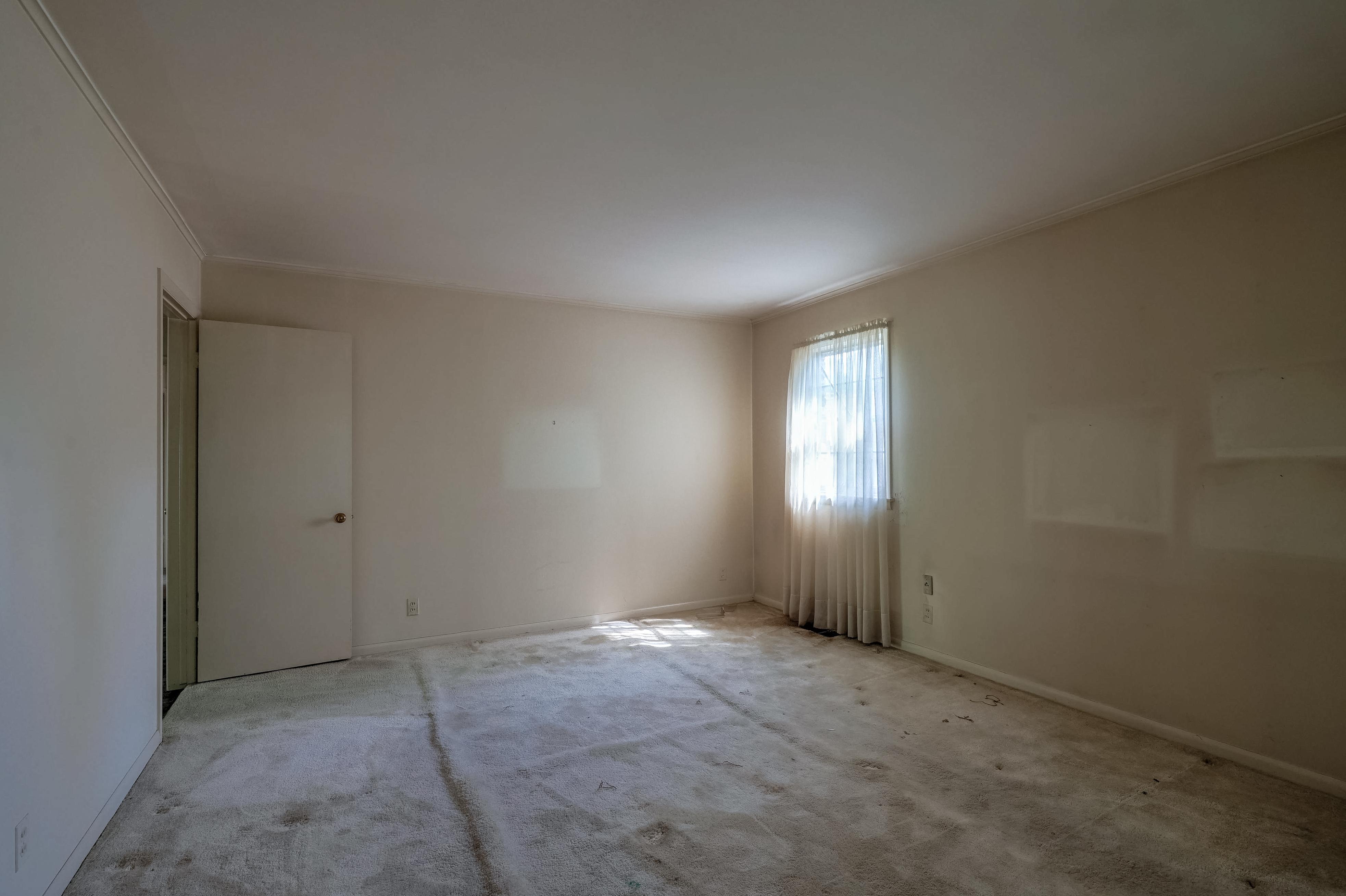 2919 E 46th Street Property Photo 12