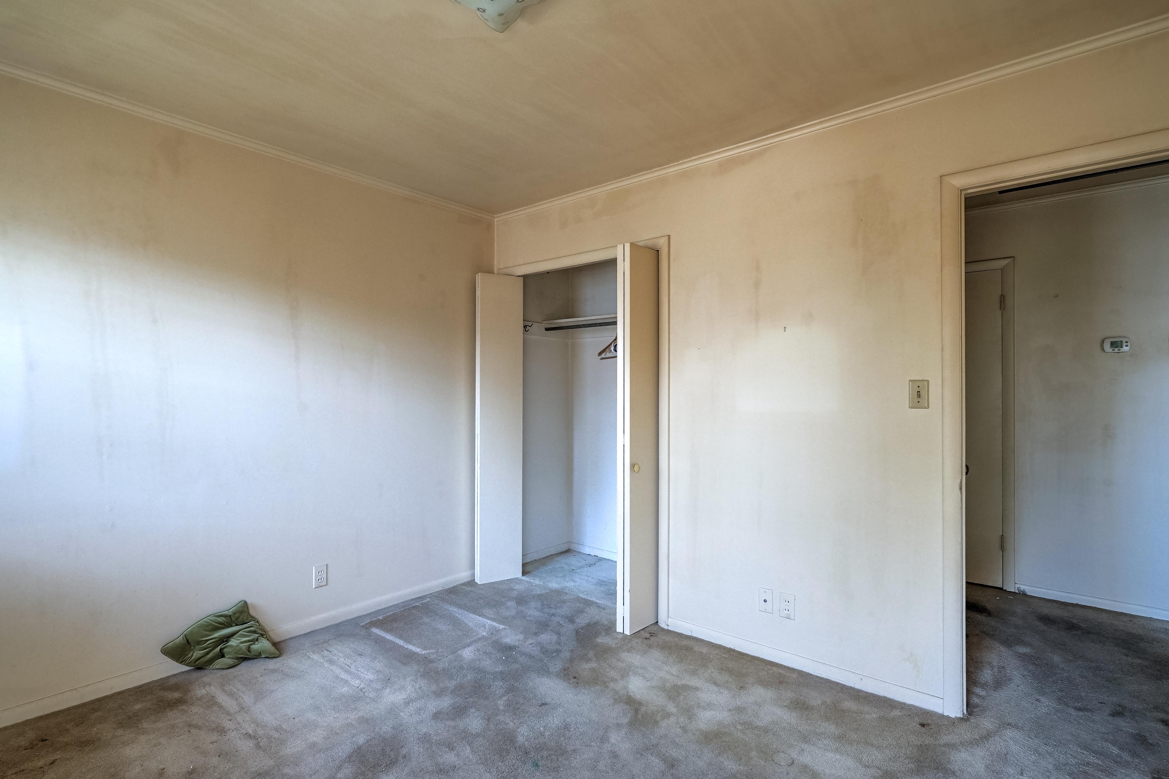 2919 E 46th Street Property Photo 26