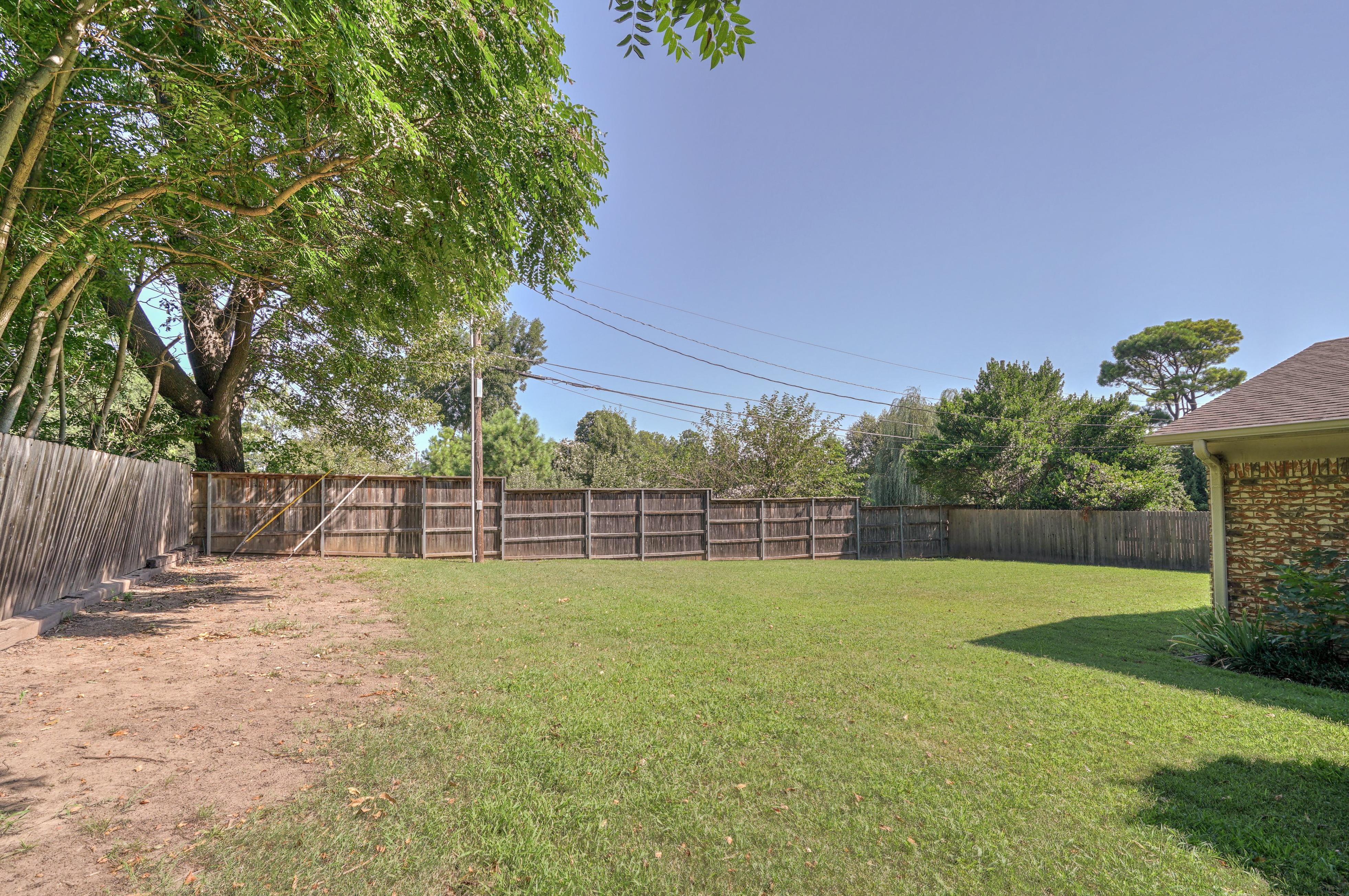 2919 E 46th Street Property Photo 27