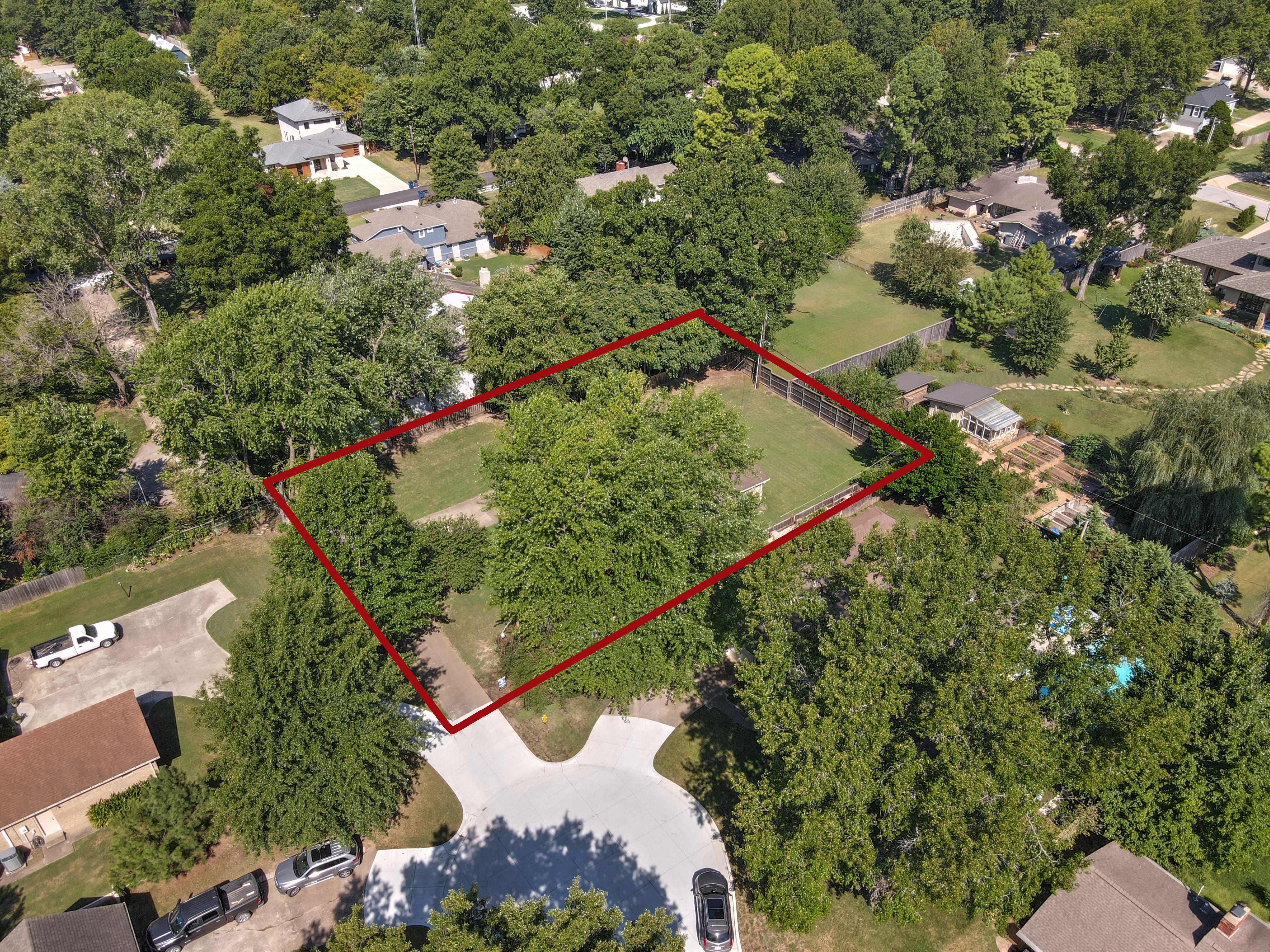 2919 E 46th Street Property Photo 9