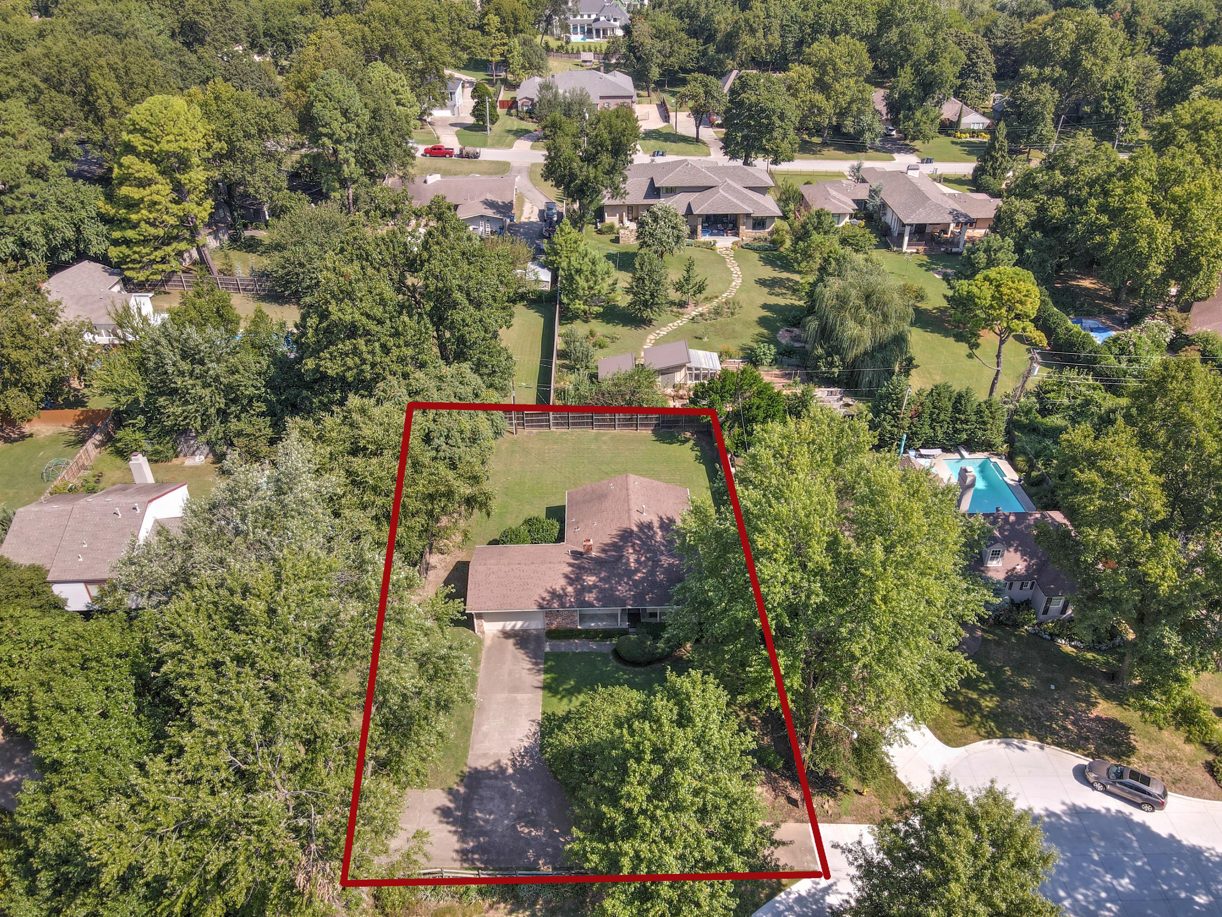 2919 E 46th Street Property Photo 1
